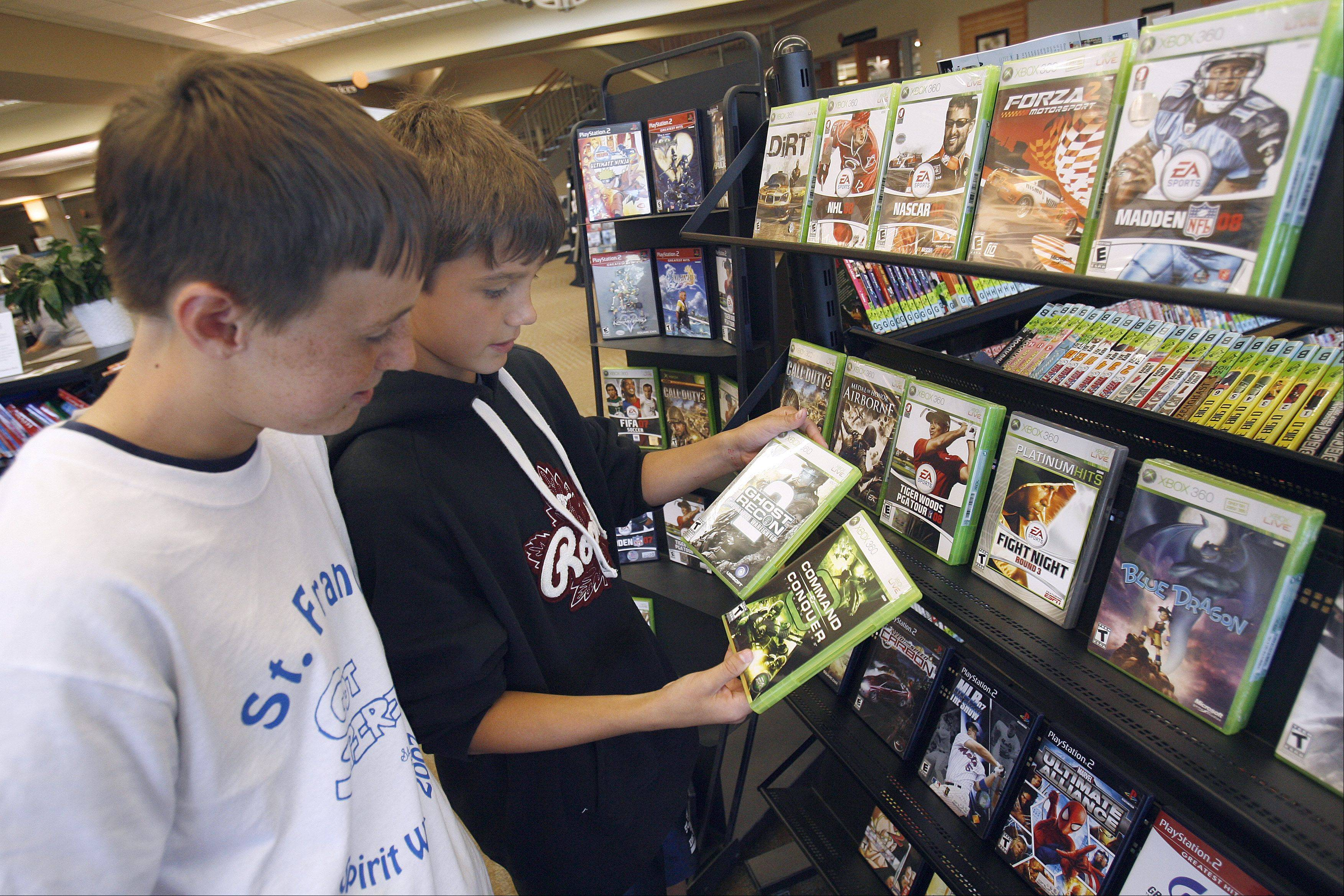 U.S. retail sales of video games, hardware and accessories declined 25 percent in May as demand for aging game consoles continued to fade and fewer new games launched compared with last year, according to market researcher NPD