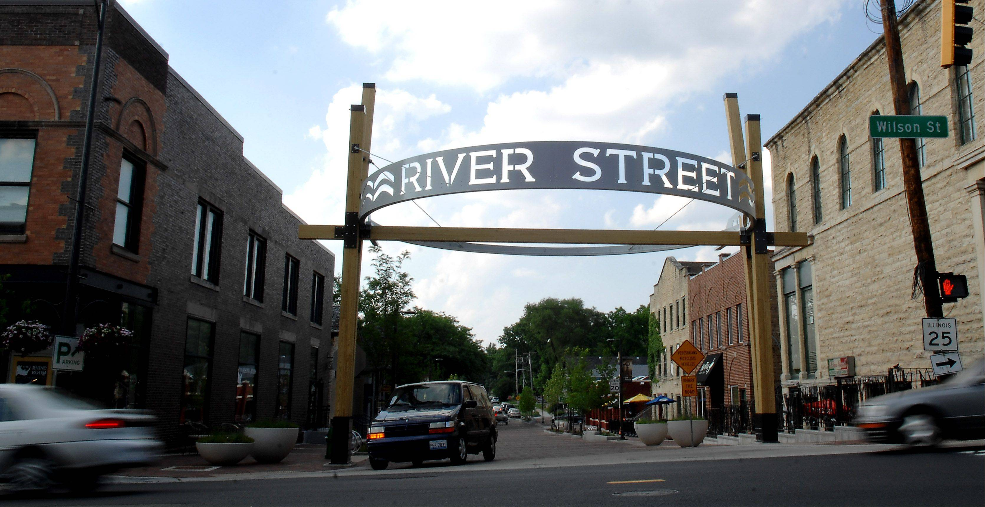 The new entrance arch to North River Street in Batavia.