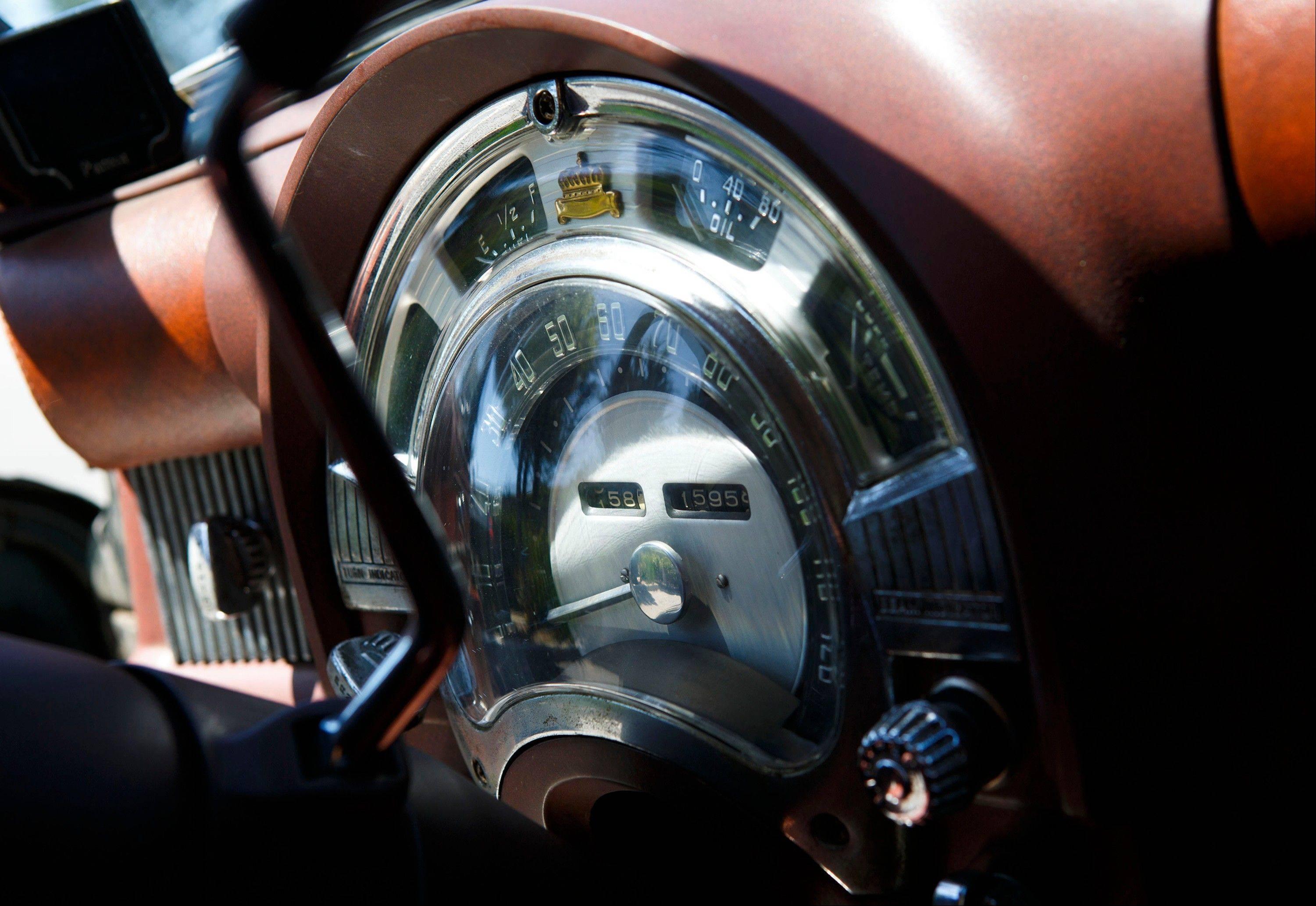 The speedometer of a 1952 Chrysler wagon.