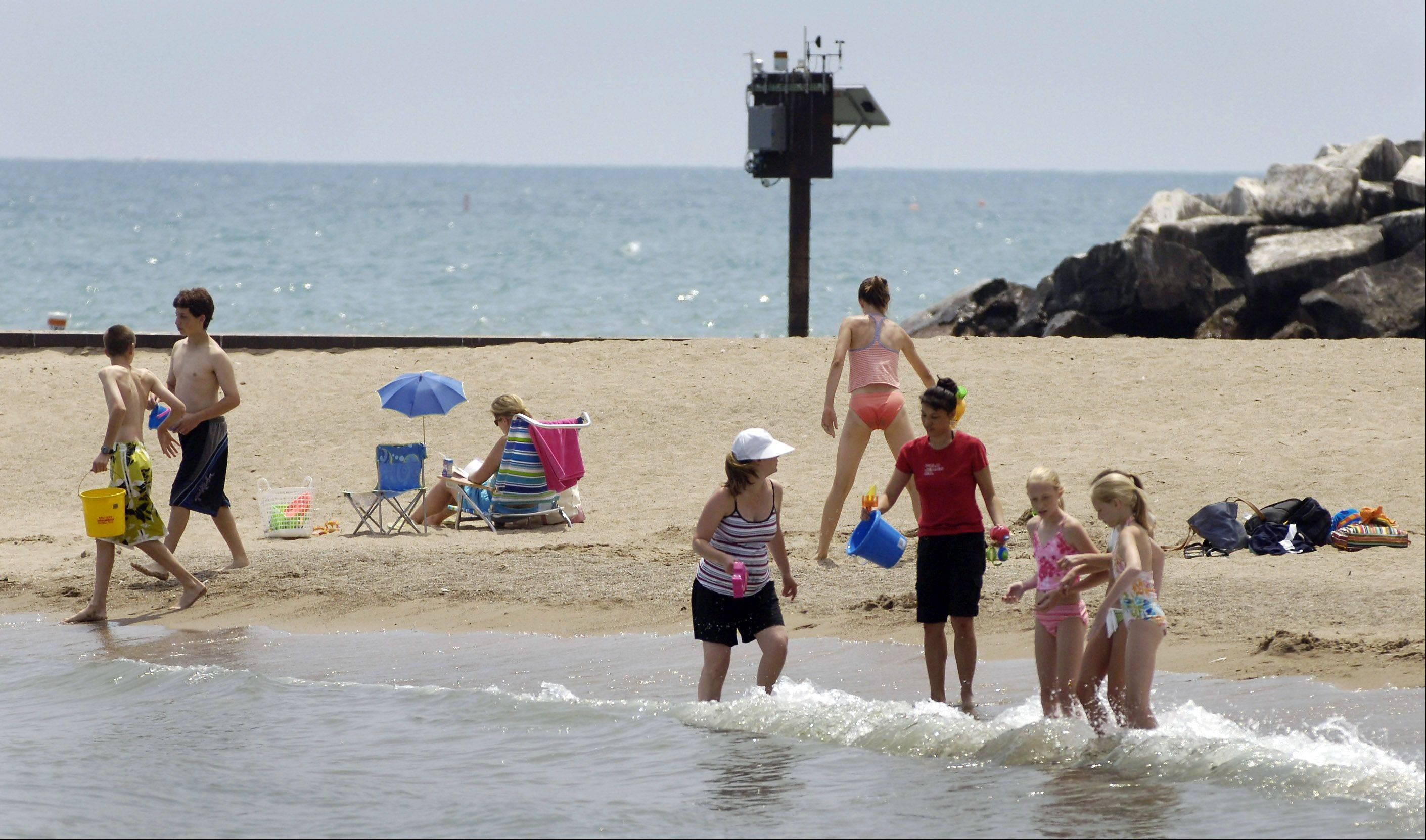 DAILY HERALD Rip currents are particularly common on Lake Michigan, where the find sand makes underwater sandbars vulnerable to washouts that can allow the outflowing of water.