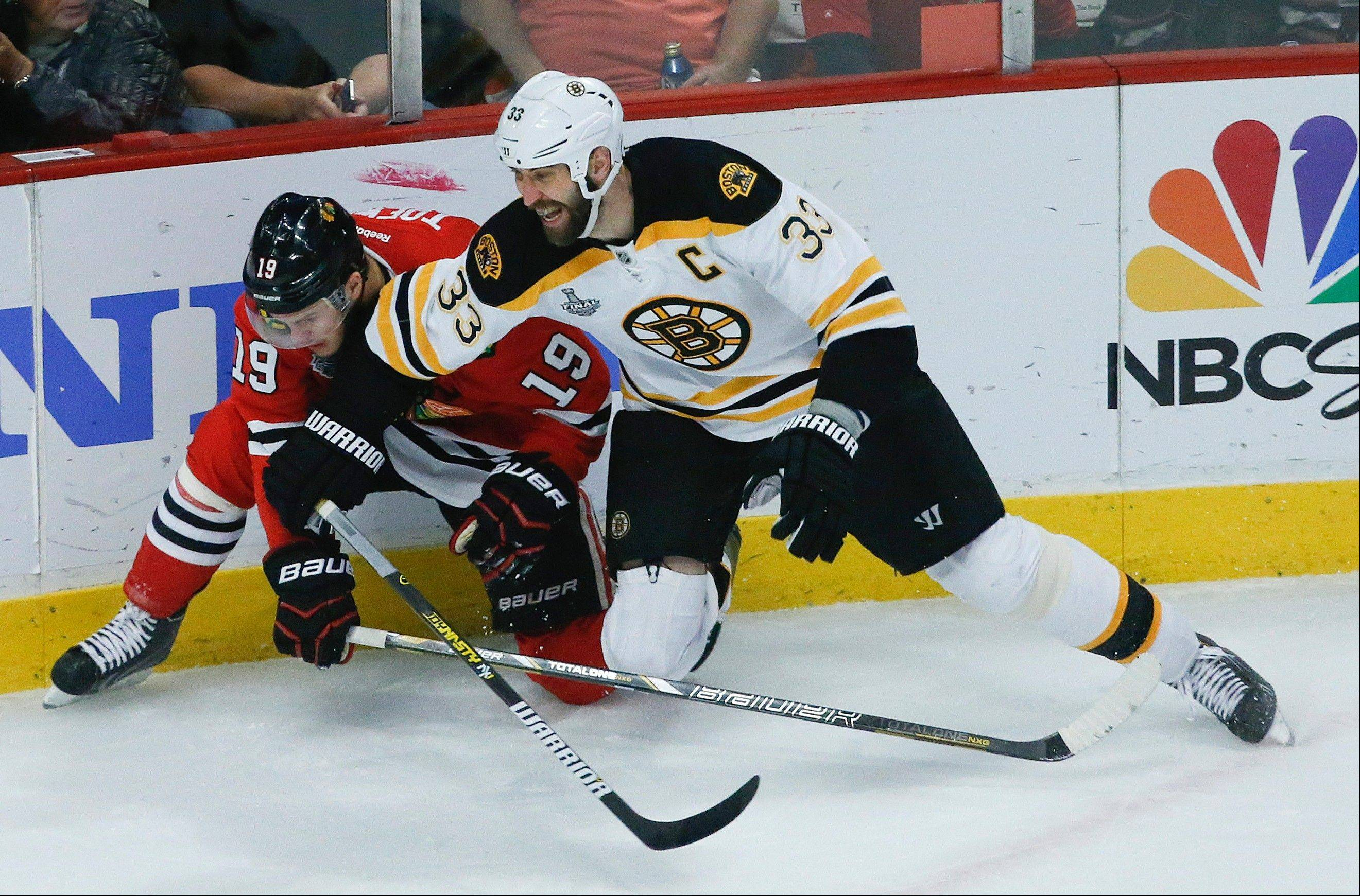 Targeting Chara works wonders for Blackhawks