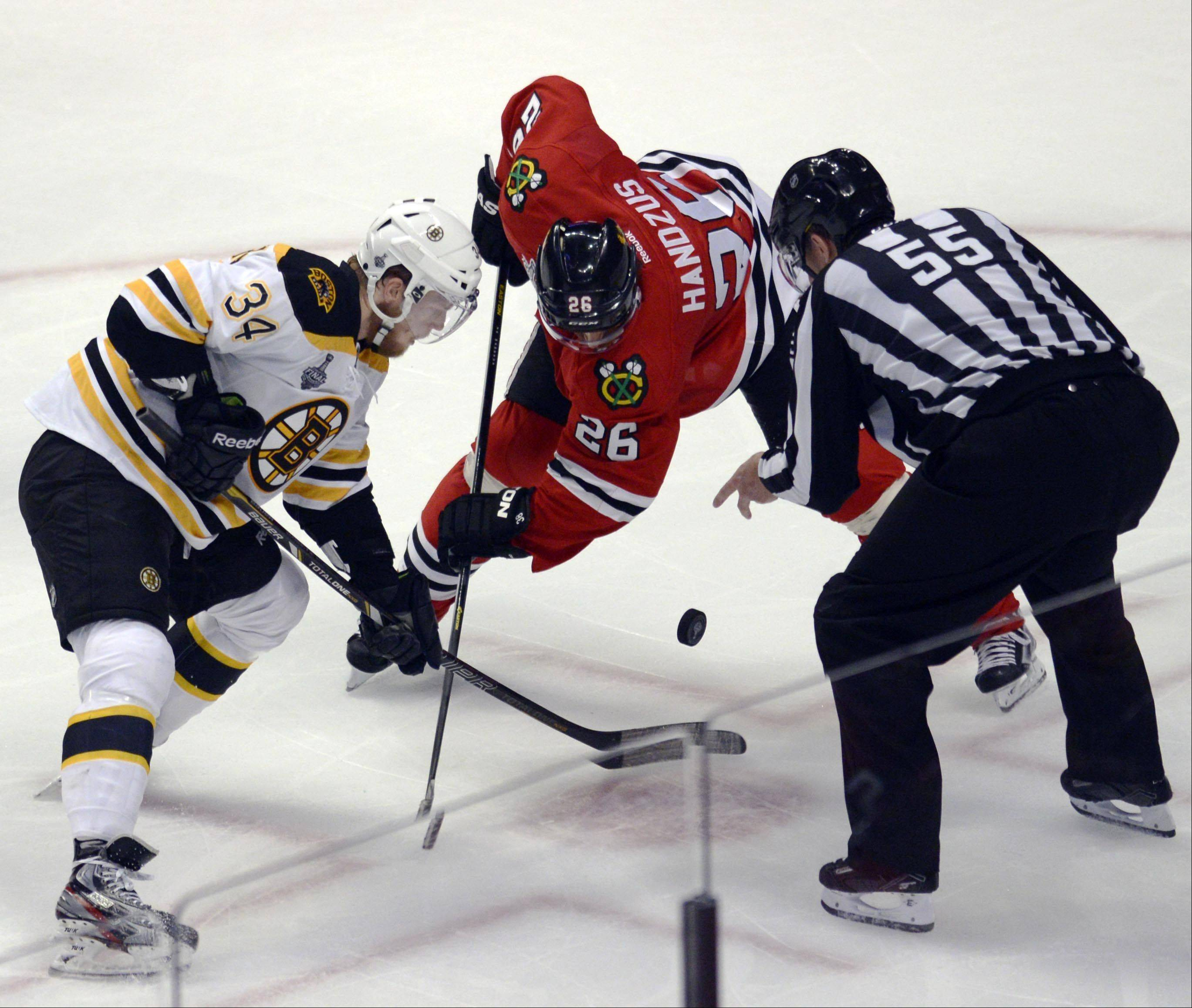 After struggling earlier in the series, the Blackhawks won 58 percent of the faceoffs Saturday in Game 5 of the Stanley Cup Final.
