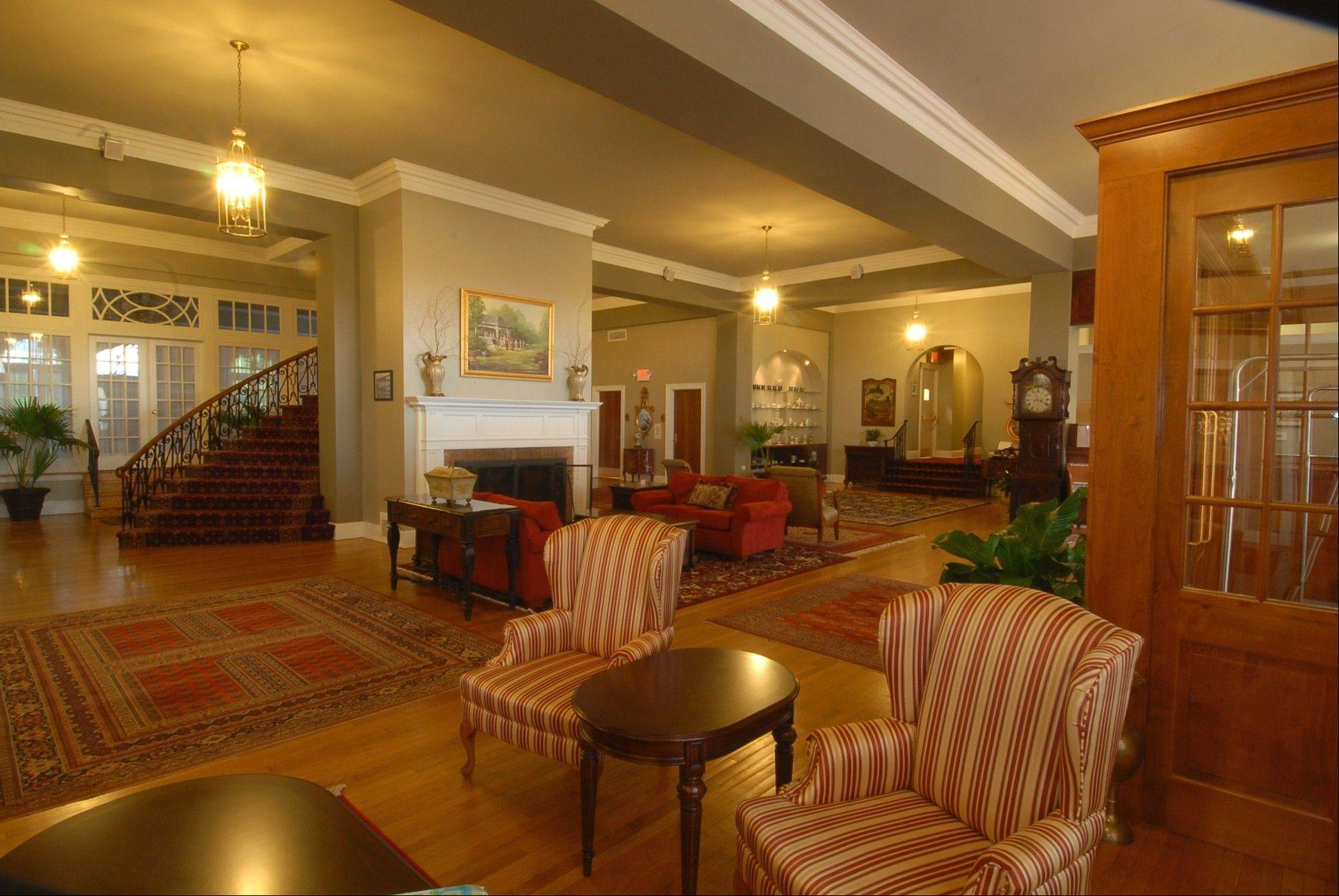 The lobby of the 82-year-old Mimslyn Inn in Luray, Va., was closed for a year in 2007 while undergoing a $3.5 million renovation.