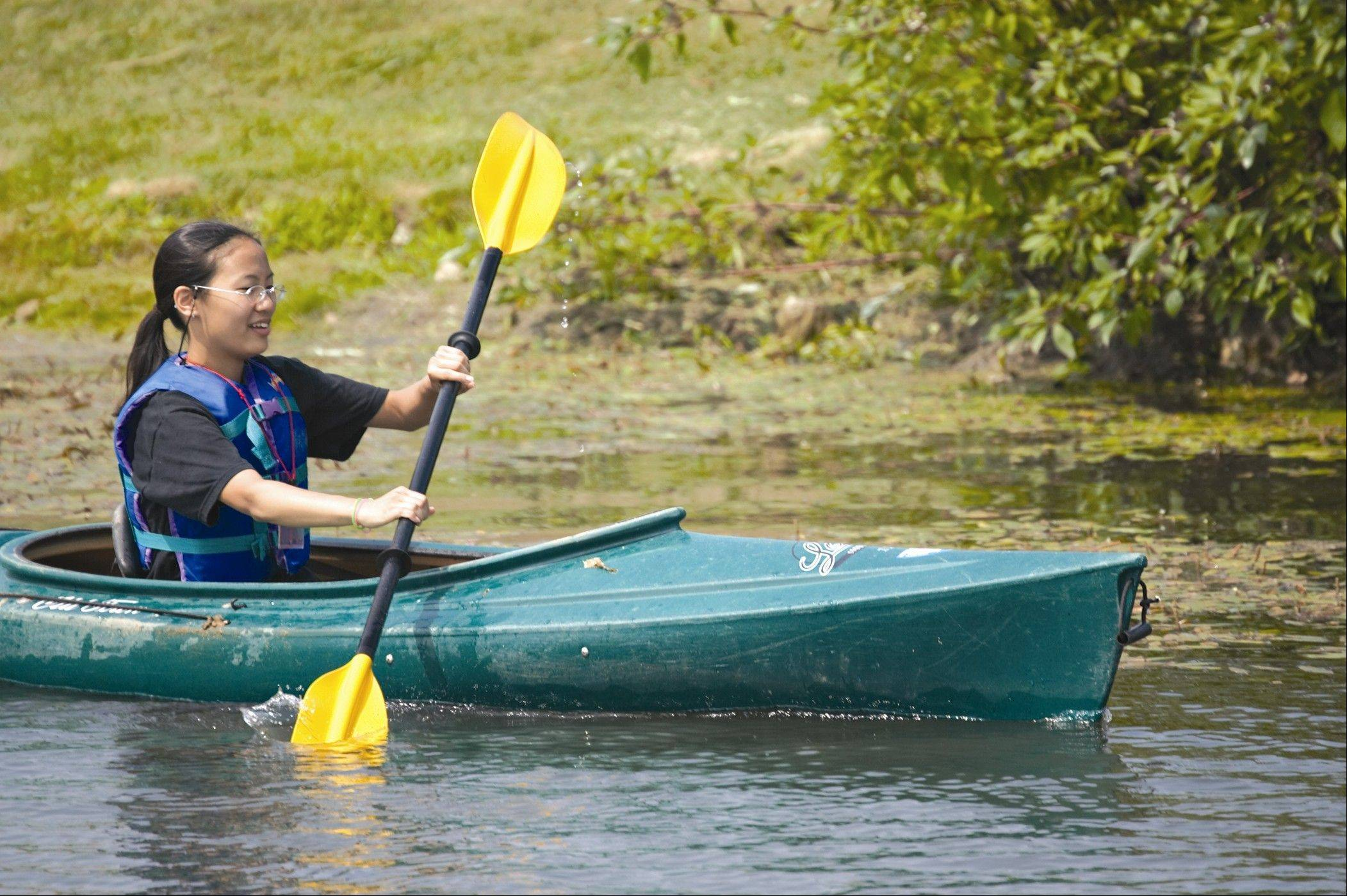 Canoes and kayaks are available for rent at Independence Grove through the Lake County Forest Preserve.