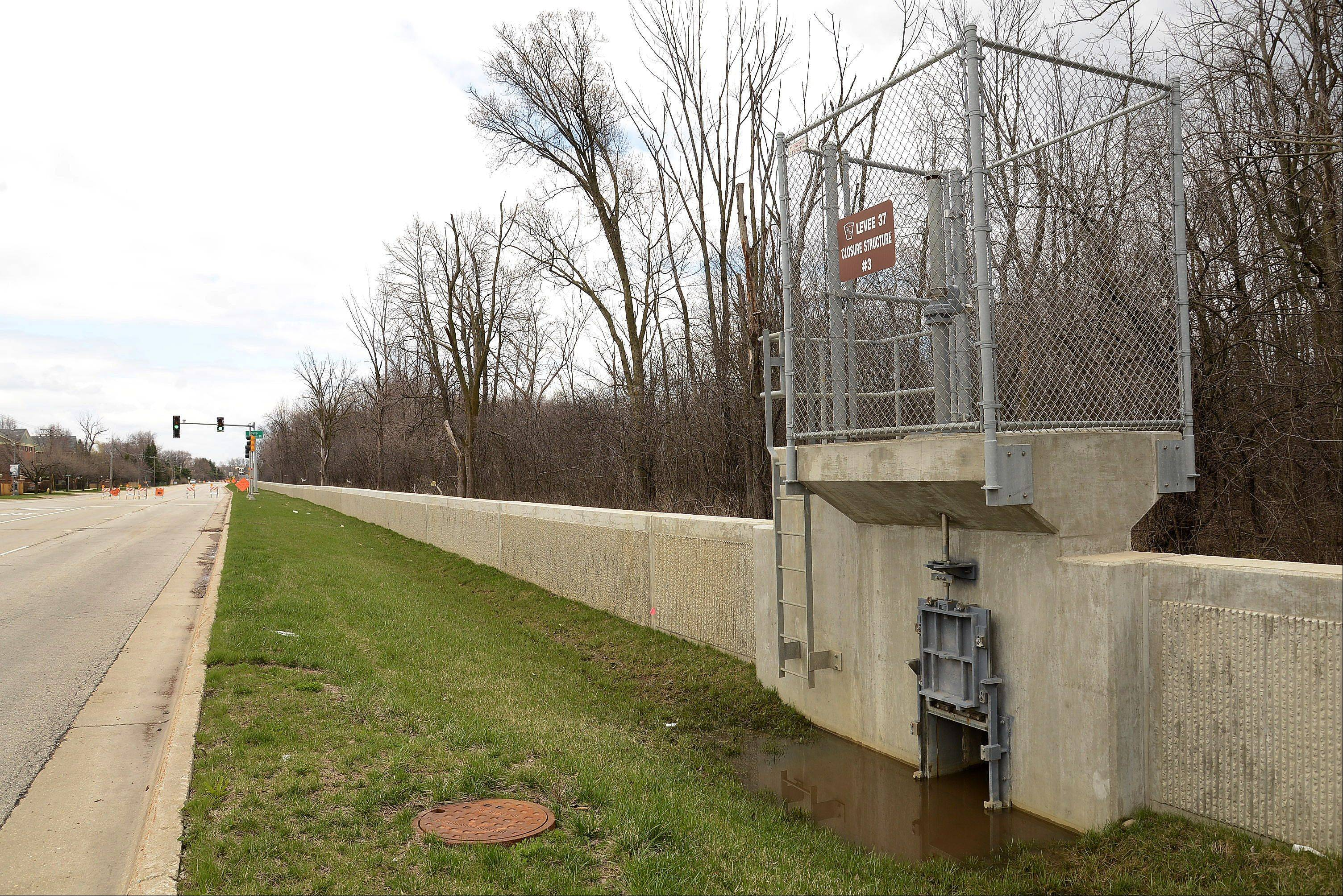 Northwest suburban communities along the Des Plaines River met Monday to discuss operations of Levee 37 along River Road in Mount Prospect as well as the need to accelerate the pace of construction of stormwater basins in Wheeling's Heritage Park.