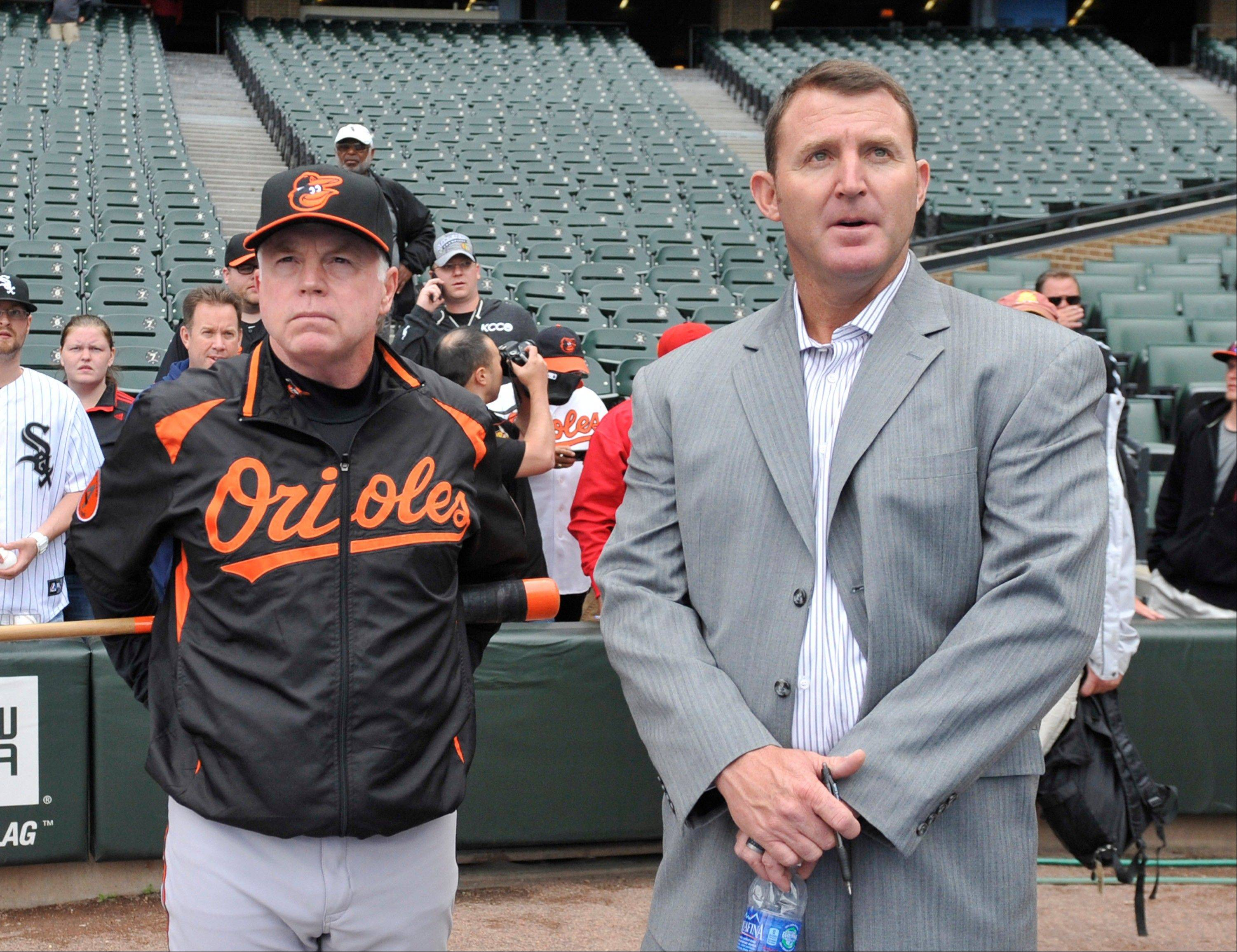 Jim Thome, right, talks with the Orioles� Buck Showalter, his last major-league manager before Tuesday night�s 5-2 White Sox victory.