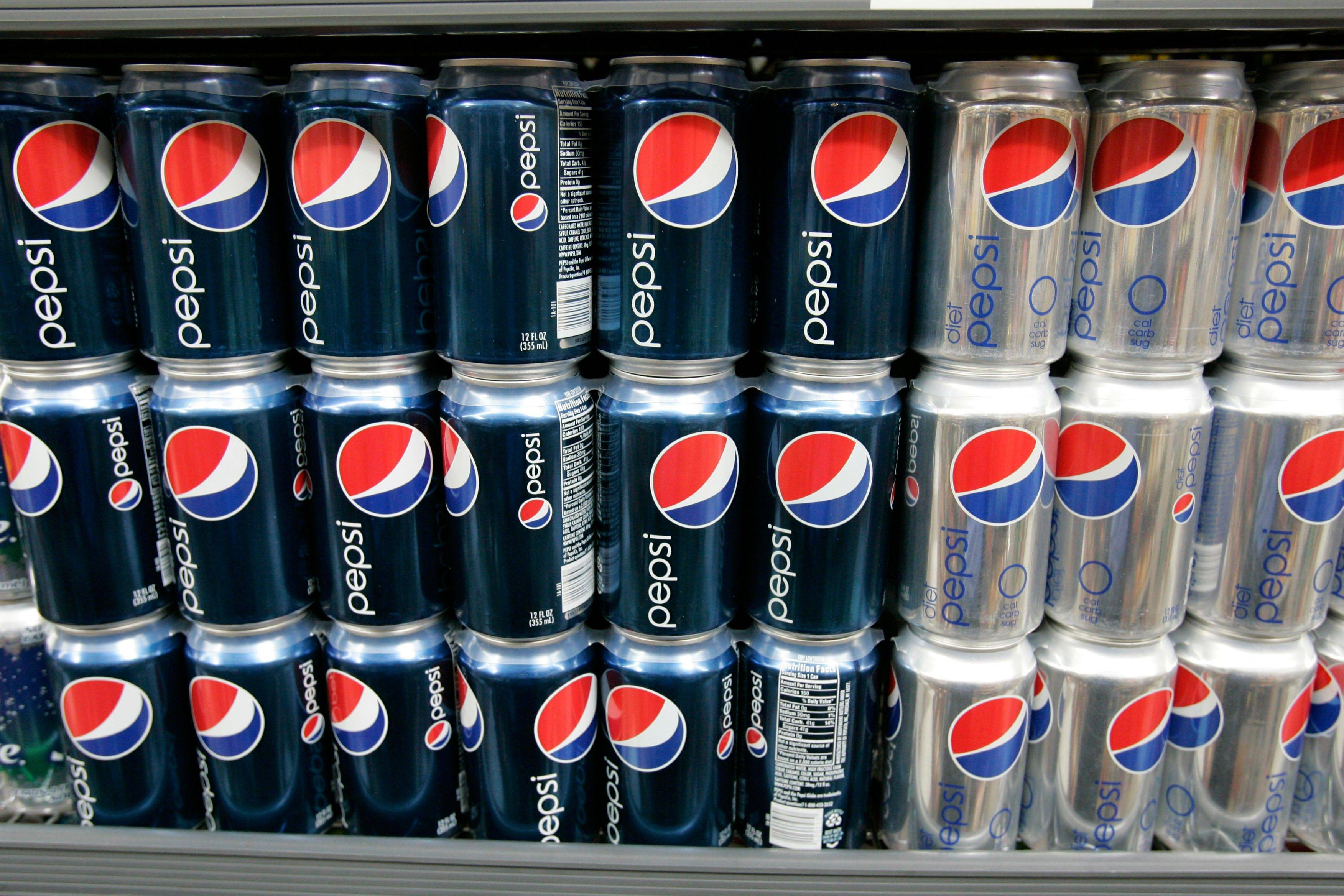An environmental group said Wednesday that the caramel coloring used in Pepsi still contains a worrisome level of a carcinogen, even after the drink maker said it would change its formula.