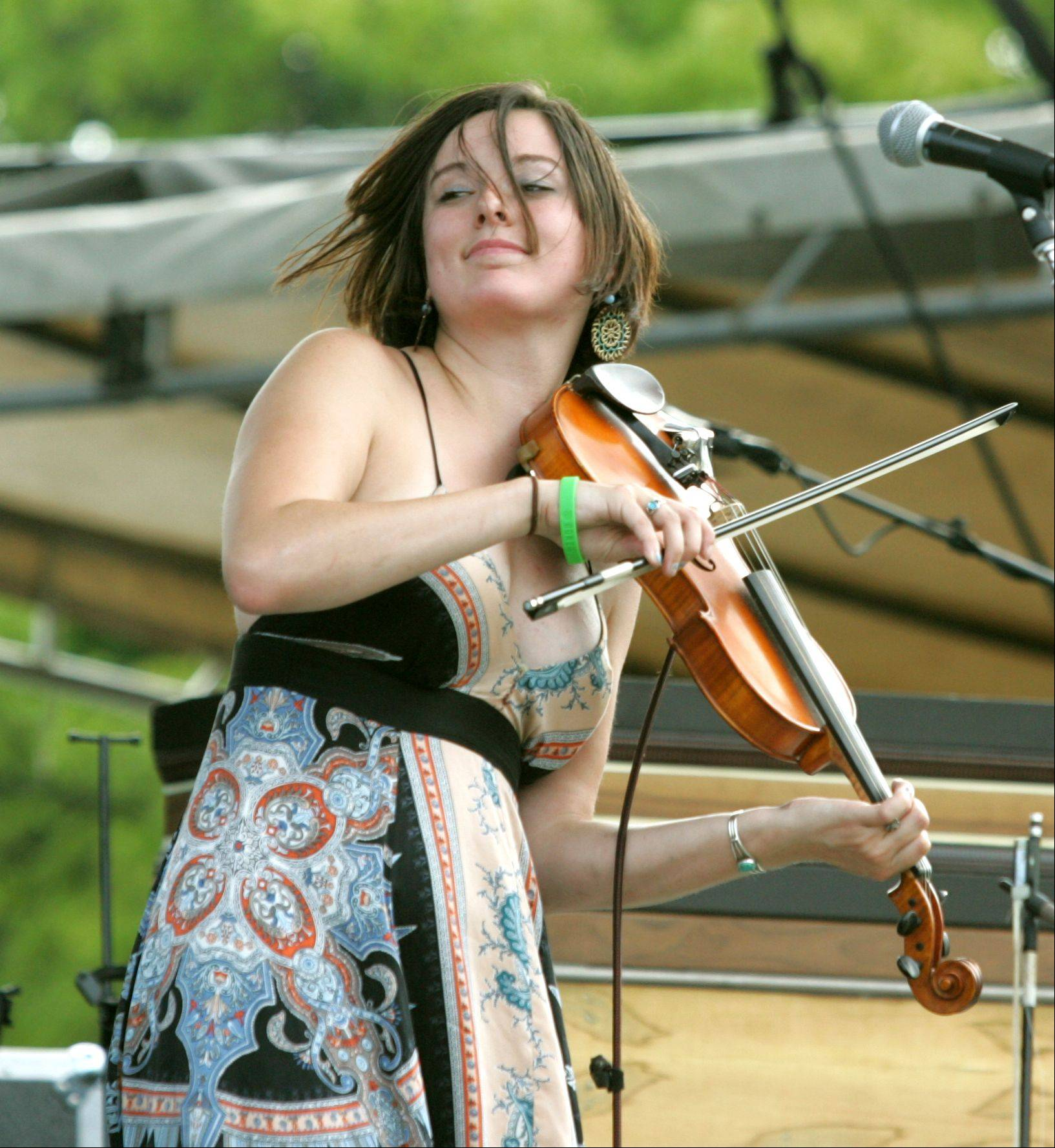 Erin Duffy of the band Under the Willow performs at the Naperville Exchange Club's 26th annual Ribfest at Knoch Park.
