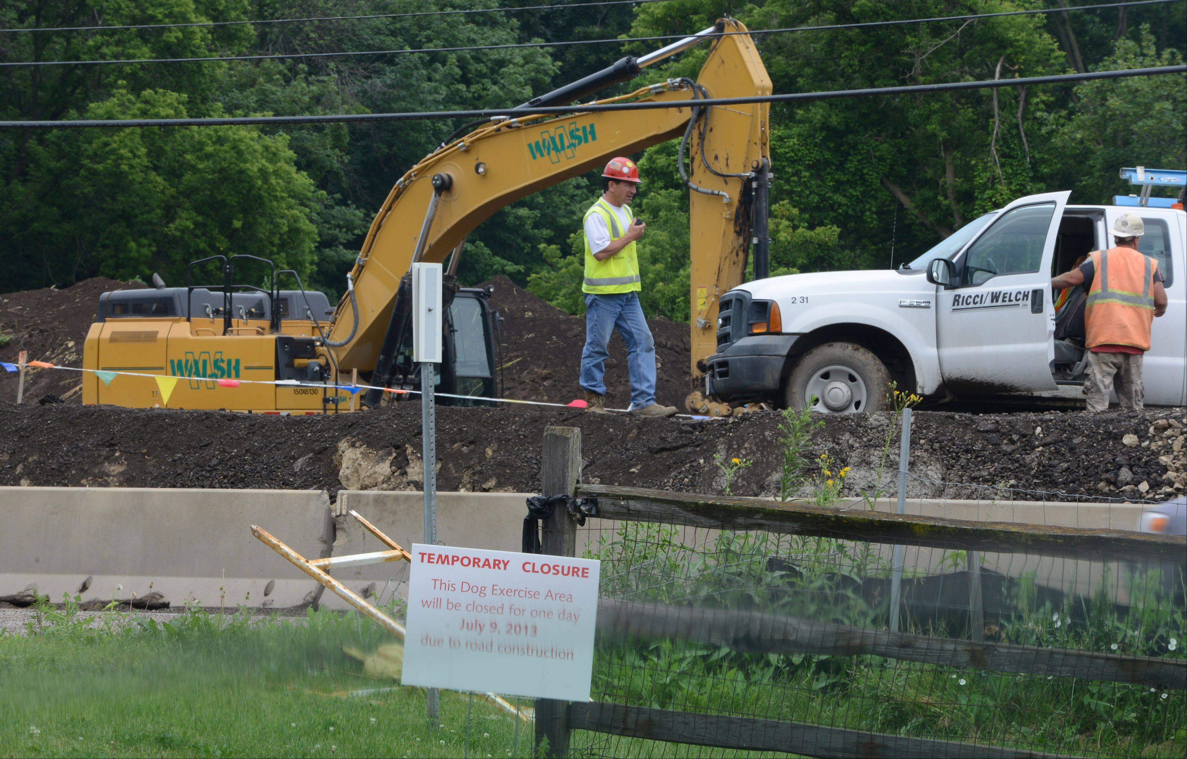 The dog facility at the Independence Grove Forest Preserve near Libertyville will be closed Wednesday as crews unload and install concrete sections of a pedestrian tunnel to run beneath Milwaukee Avenue. The tunnels are part of a $23 million widening of Milwaukee Avenue.