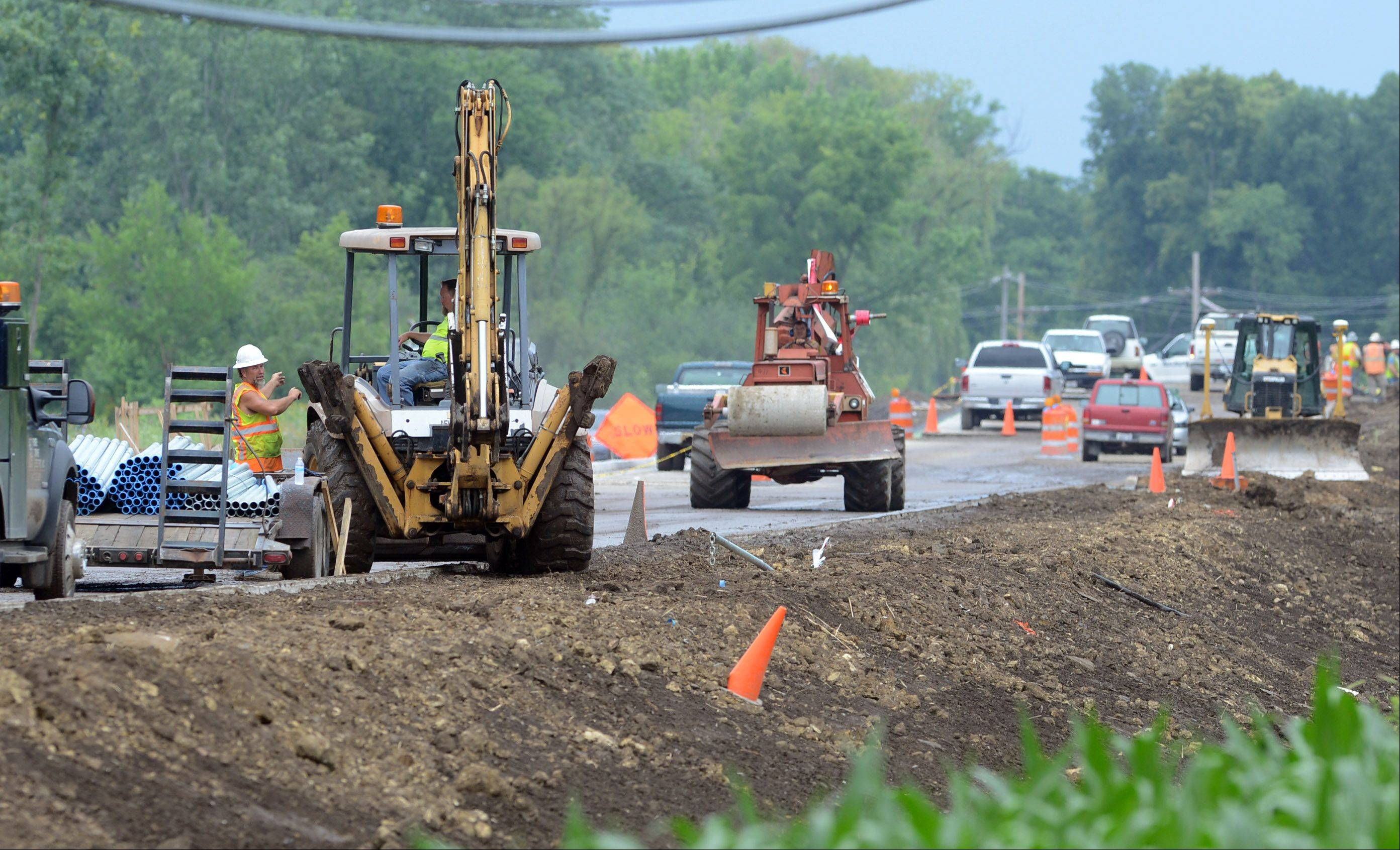 Weather permitting, concrete sections of a pedestrian tunnel beneath Milwaukee Avenue south of Casey Road in Libertyville will be delivered and installed Wednesday as part of the ongoing $23 million widening project.