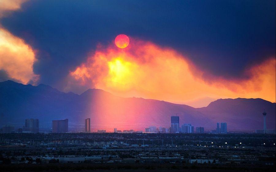 Largest Nev  fires still growing near Vegas, Reno