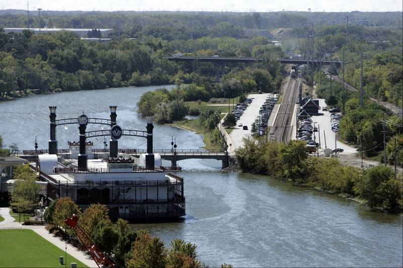 How suburbs along the Fox River have transformed themselves