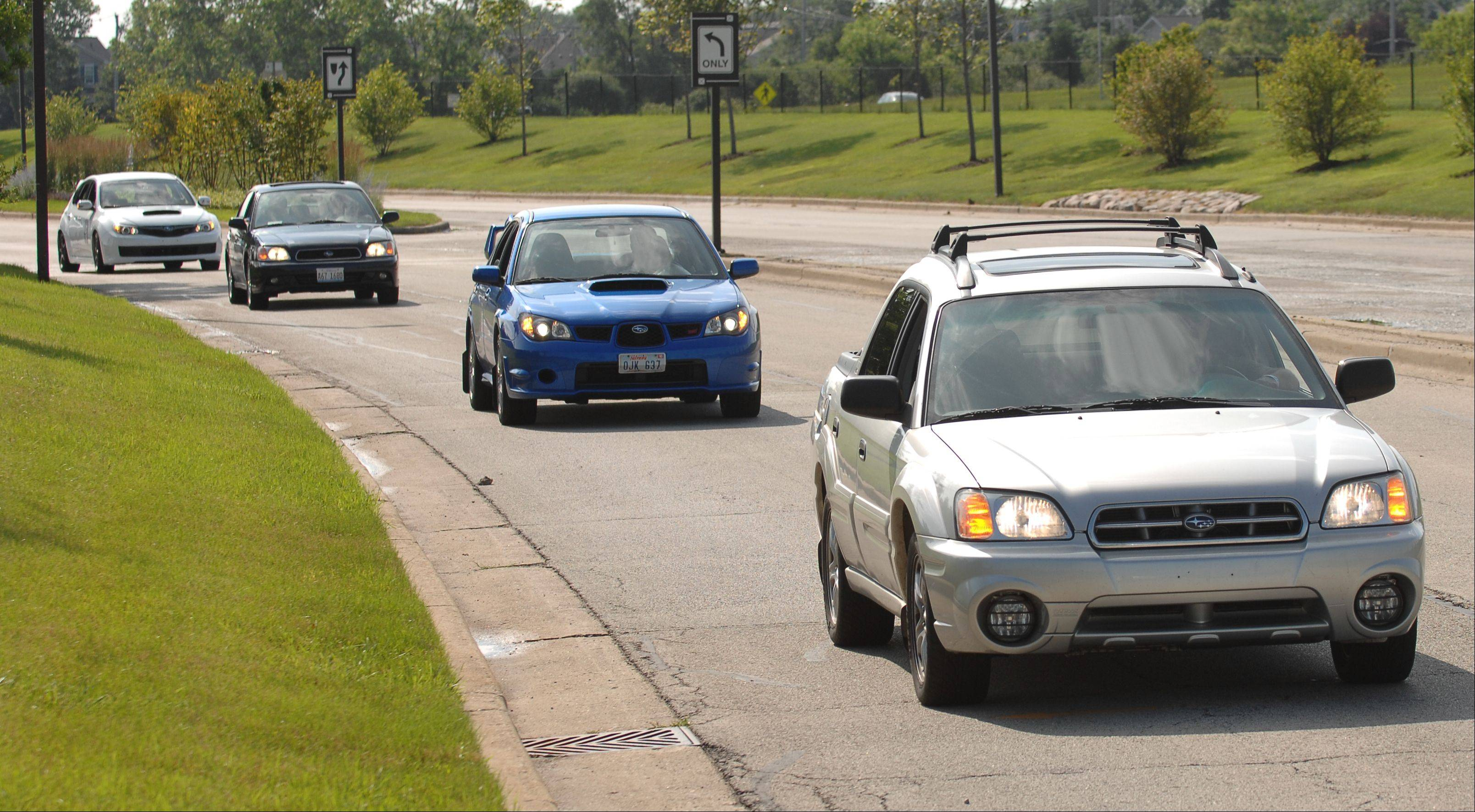 Itasca hopes to break its 2009 world record of 339 Subarus in a parade Saturday morning as part of the village's Itasca Fest activities.