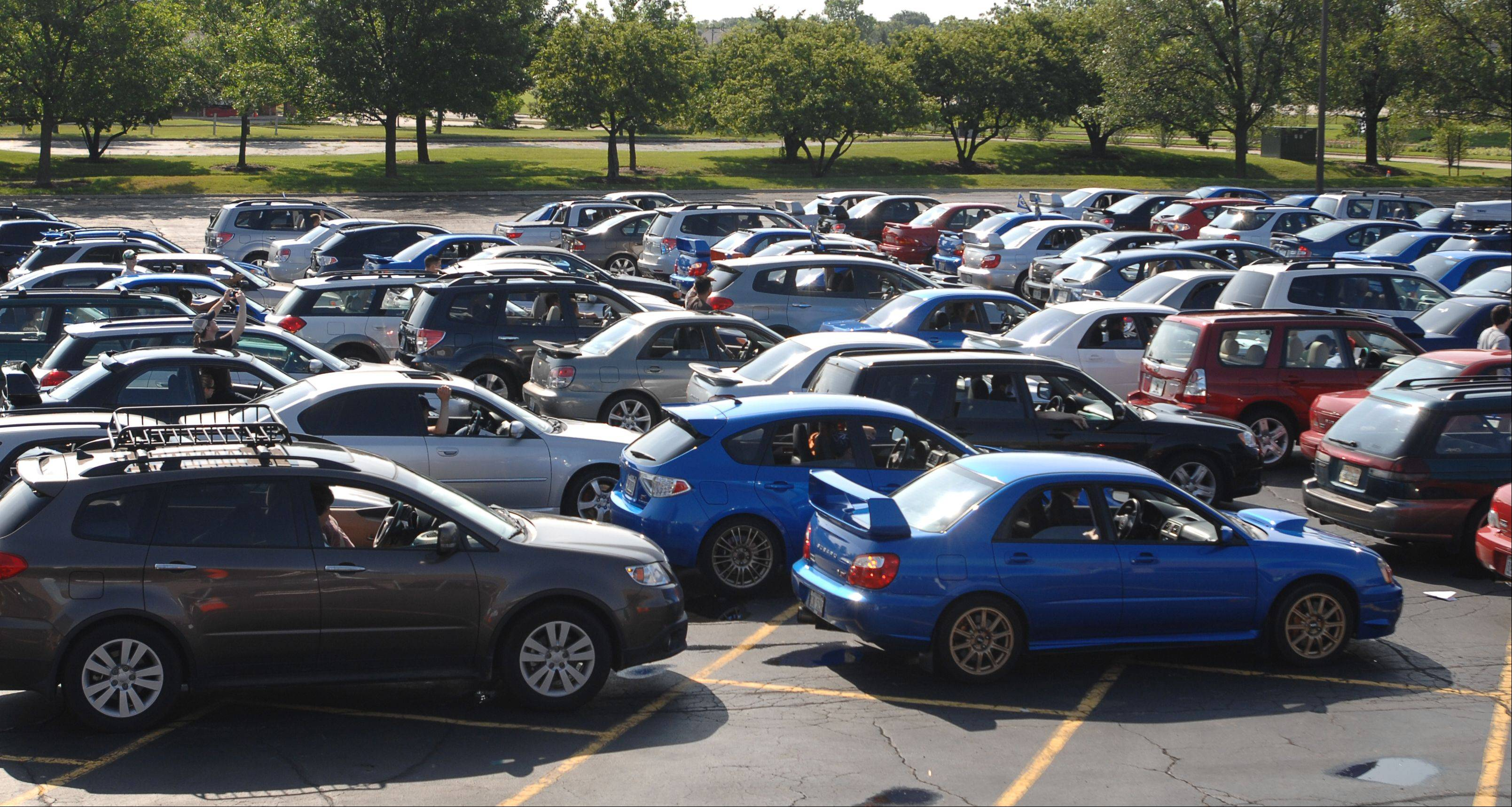 Itasca hopes to host the largest parade of Subarus Saturday with 500 cars. As of Wednesday, 365 motorists were registered.