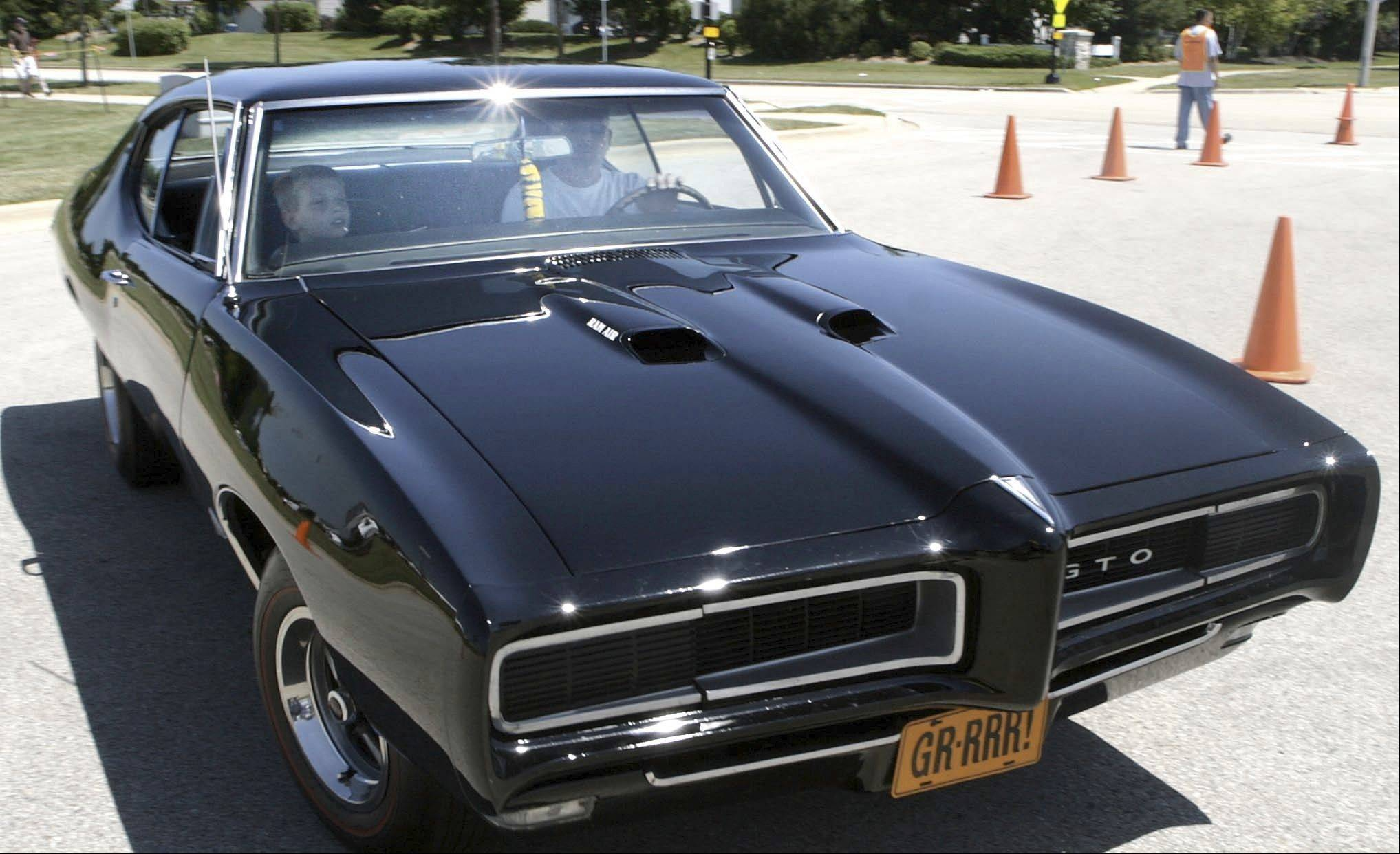 Lake in the Hills Rockin' Ribfest will feature classic car show.
