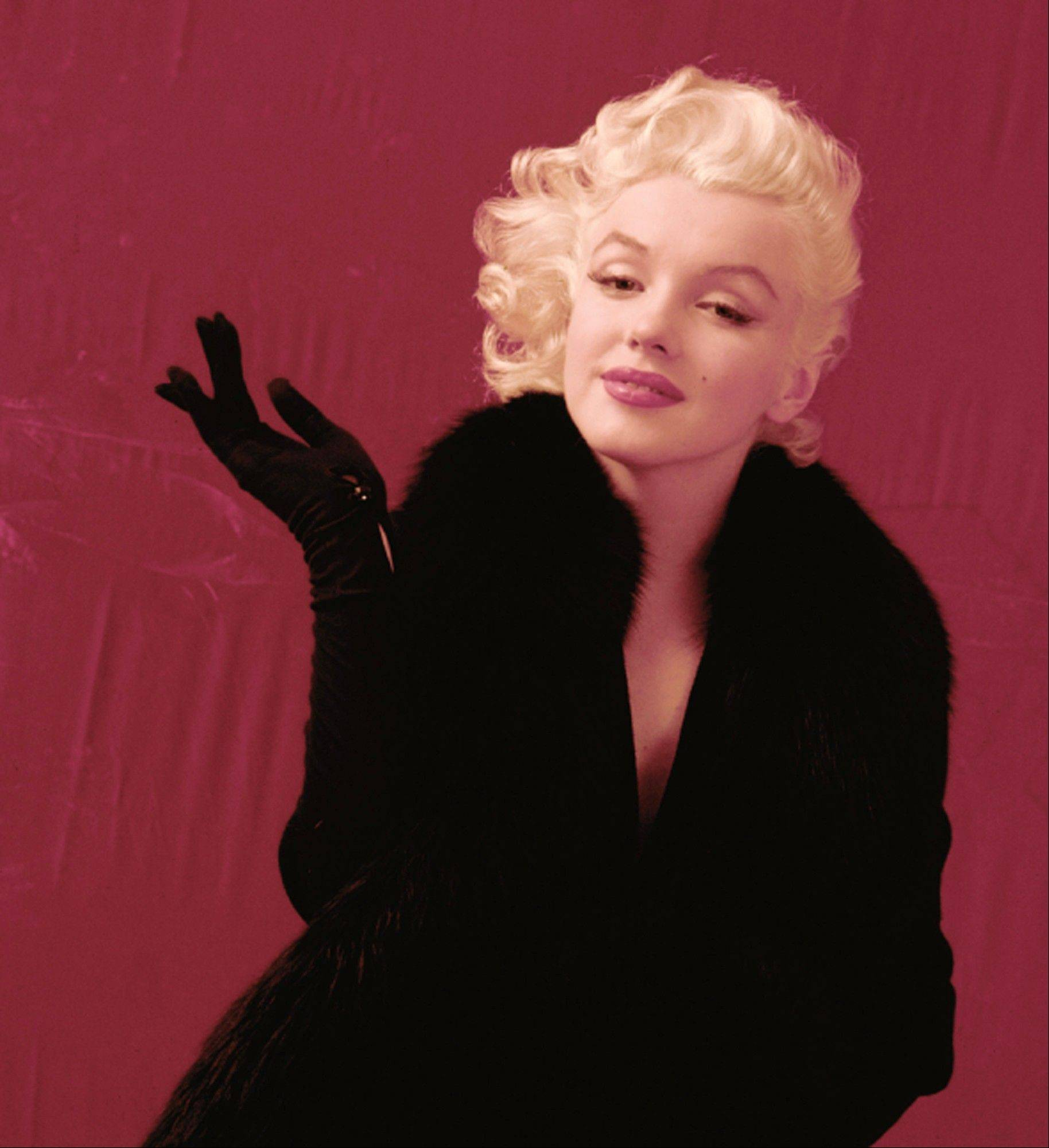 Now 3,700 never-before-published negatives and transparencies that celebrity photographer Milton H. Greene shot of Marilyn Monroe in the 1950s are going on the auction block.