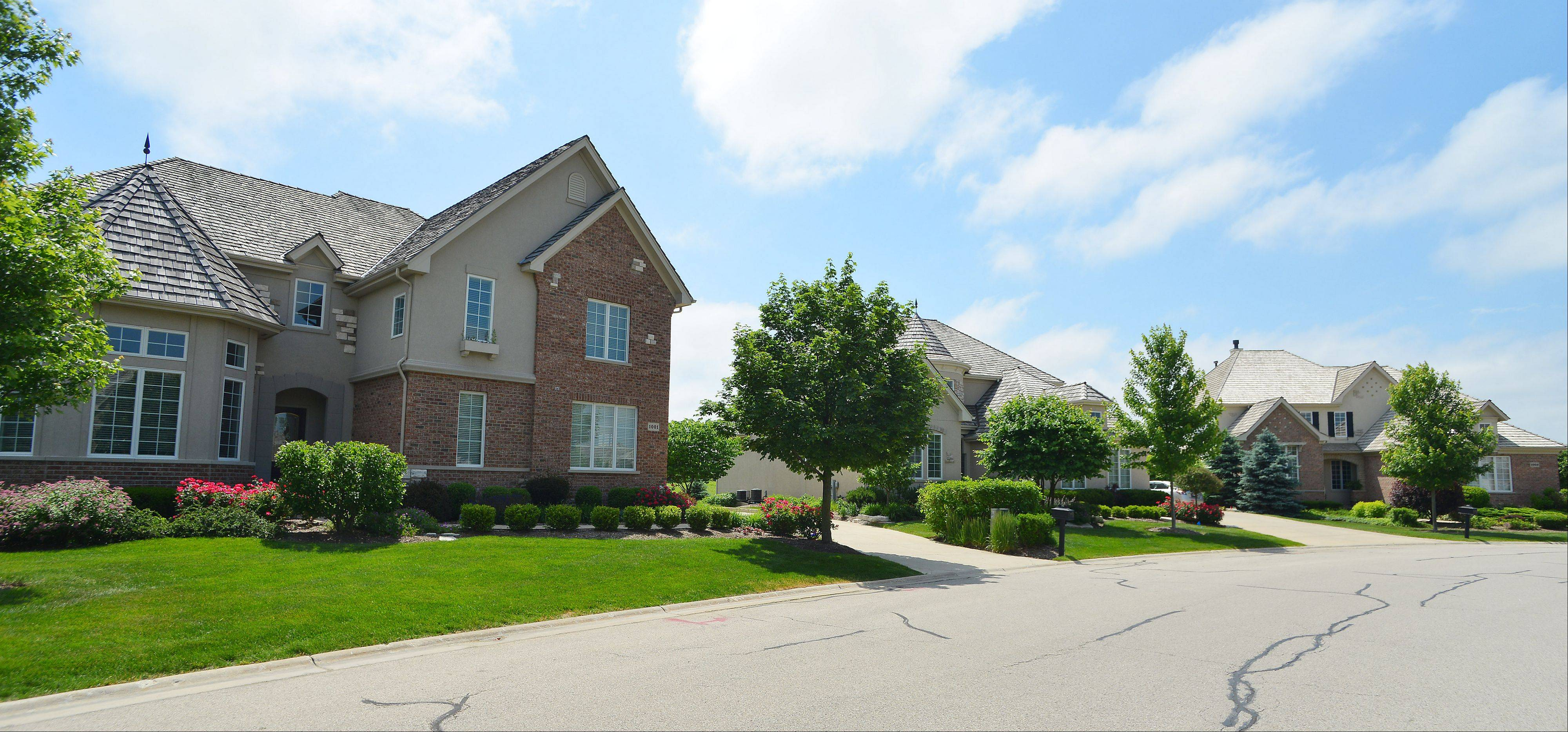 Creekside at Inverness Ridge is a gated community near natural areas including Deer Grove Forest Preserve.