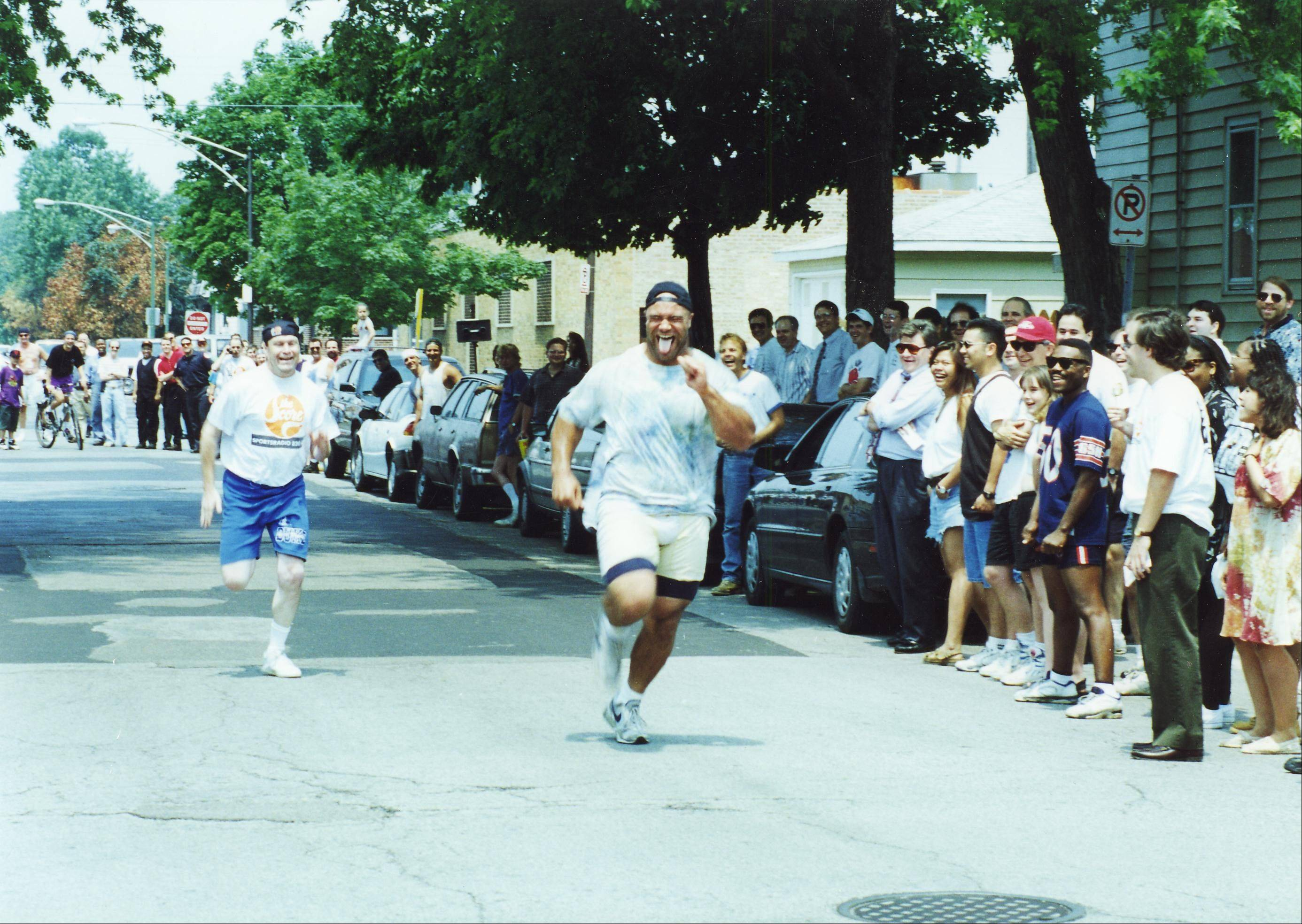 Chris Zorich agreed to Mike North�s challenge of a 100-yard race. North said he could beat Zorich, but he proved to be wrong.