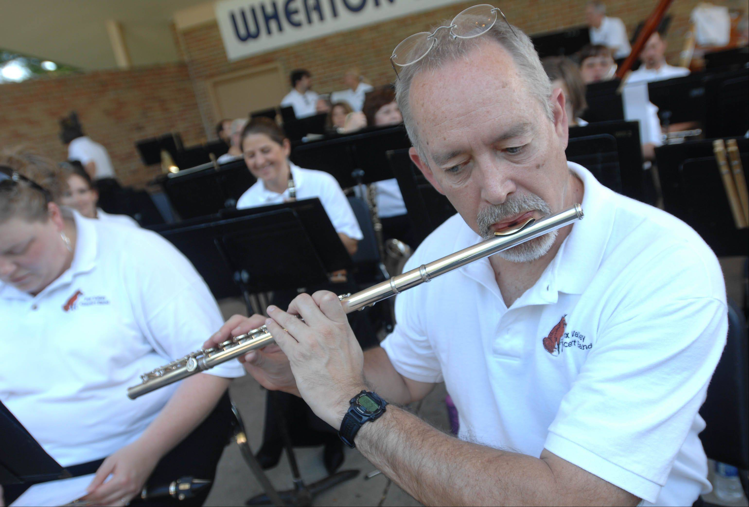 The Fox Valley Concert Band returns to the Wheaton Band Festival Saturday night.