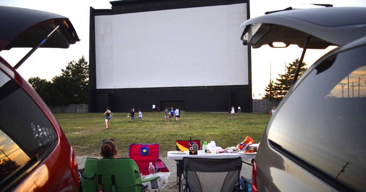 Mchenry drive in fights to stay alive cascade goes digital for Drive in movie theaters still open