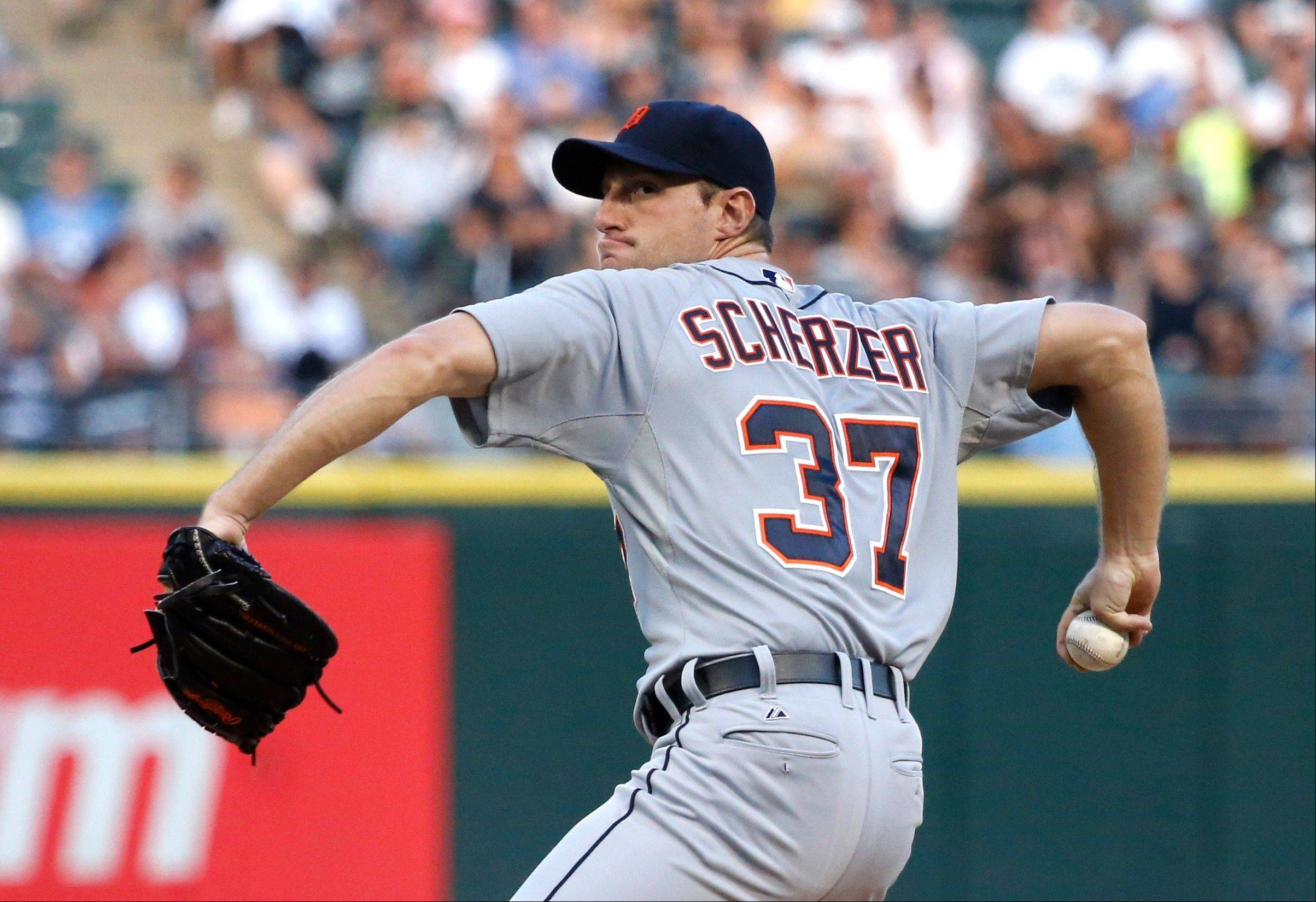 Tigers starting pitcher Max Scherzer delivers during the first inning Monday against the White Sox in Chicago.