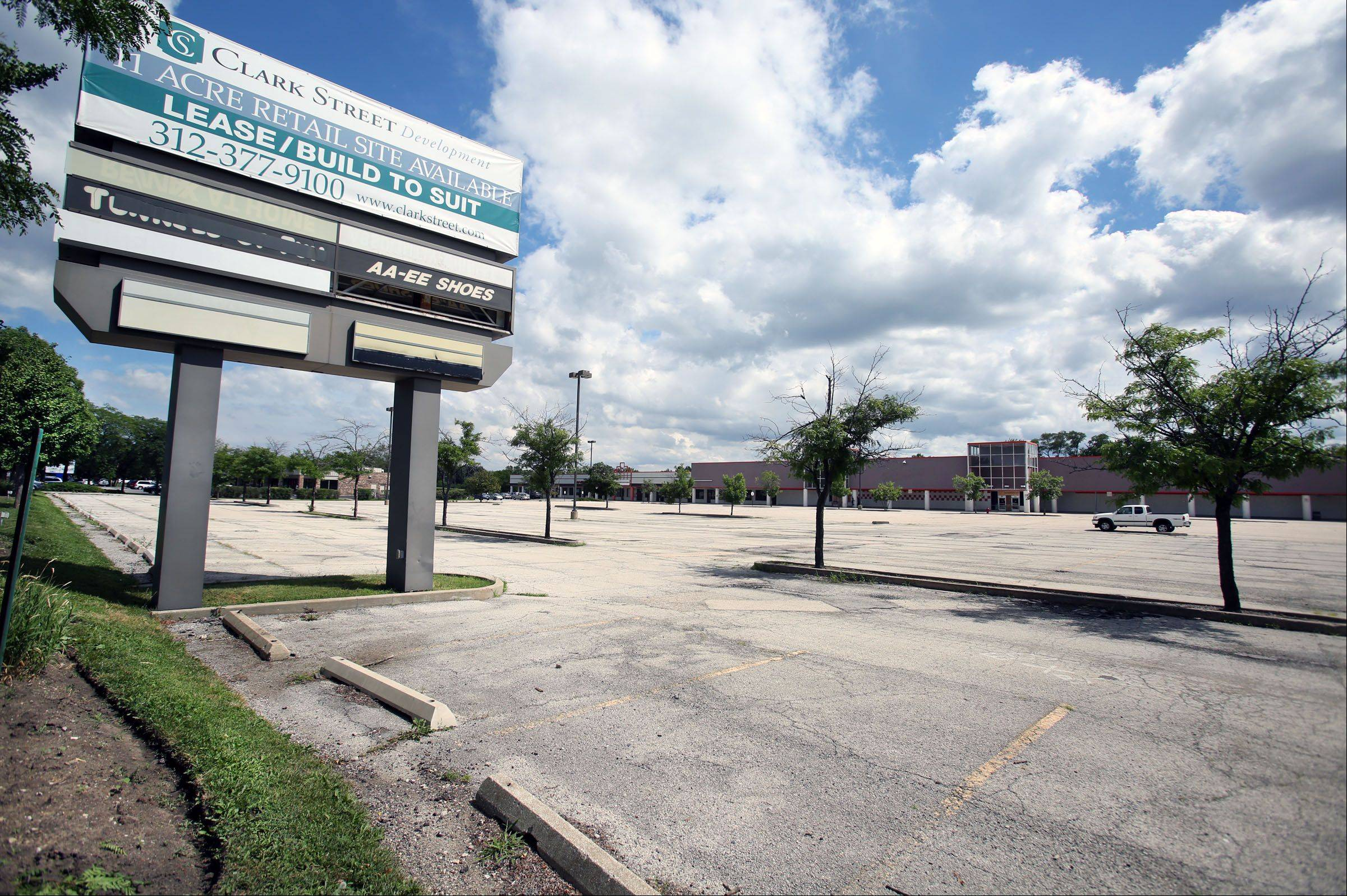 Clark Street Development has announced only one tenant, Uncle Joe's grocery store, for the Rolling Meadows center that once held a Dominick's.
