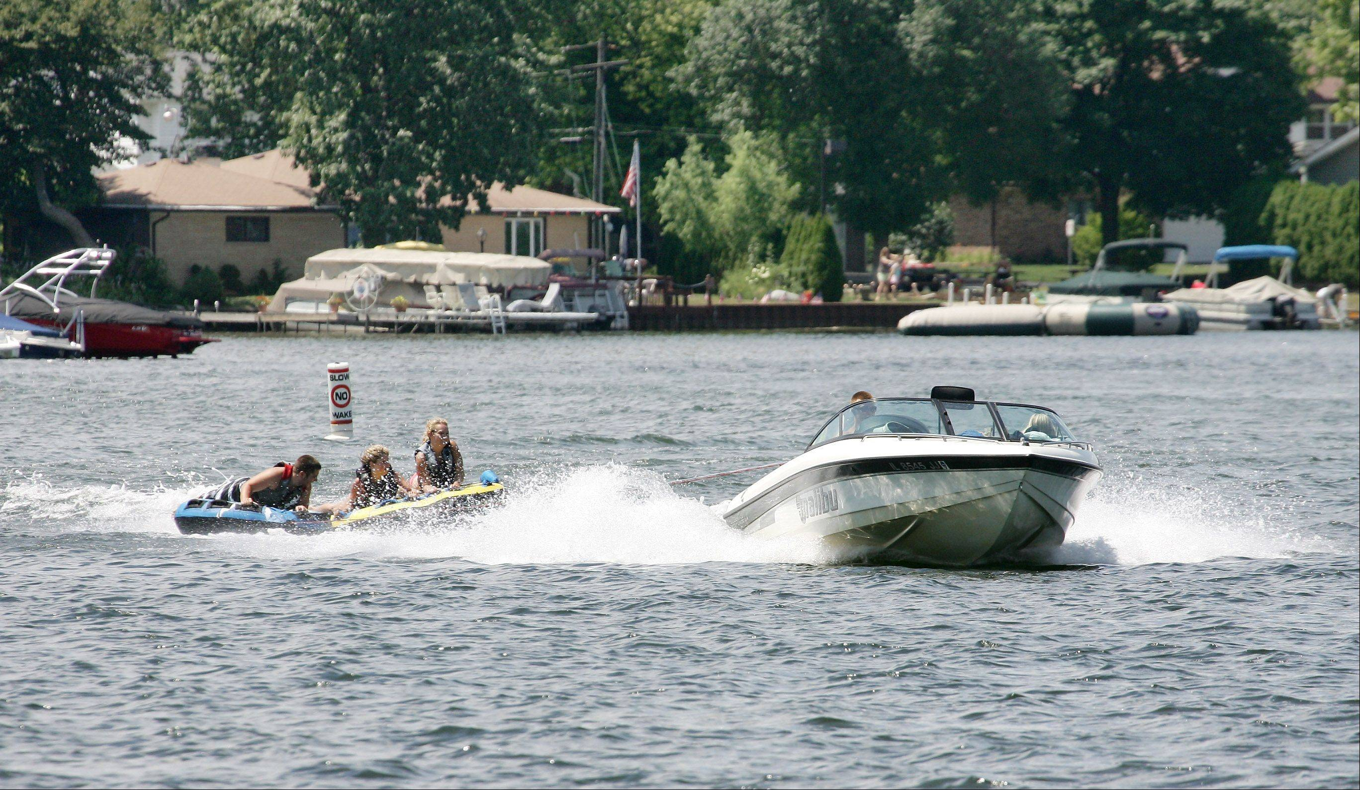 Gilbert R. Boucher II/gboucher@dailyherald.com � Boating fun on Lake Zurich.