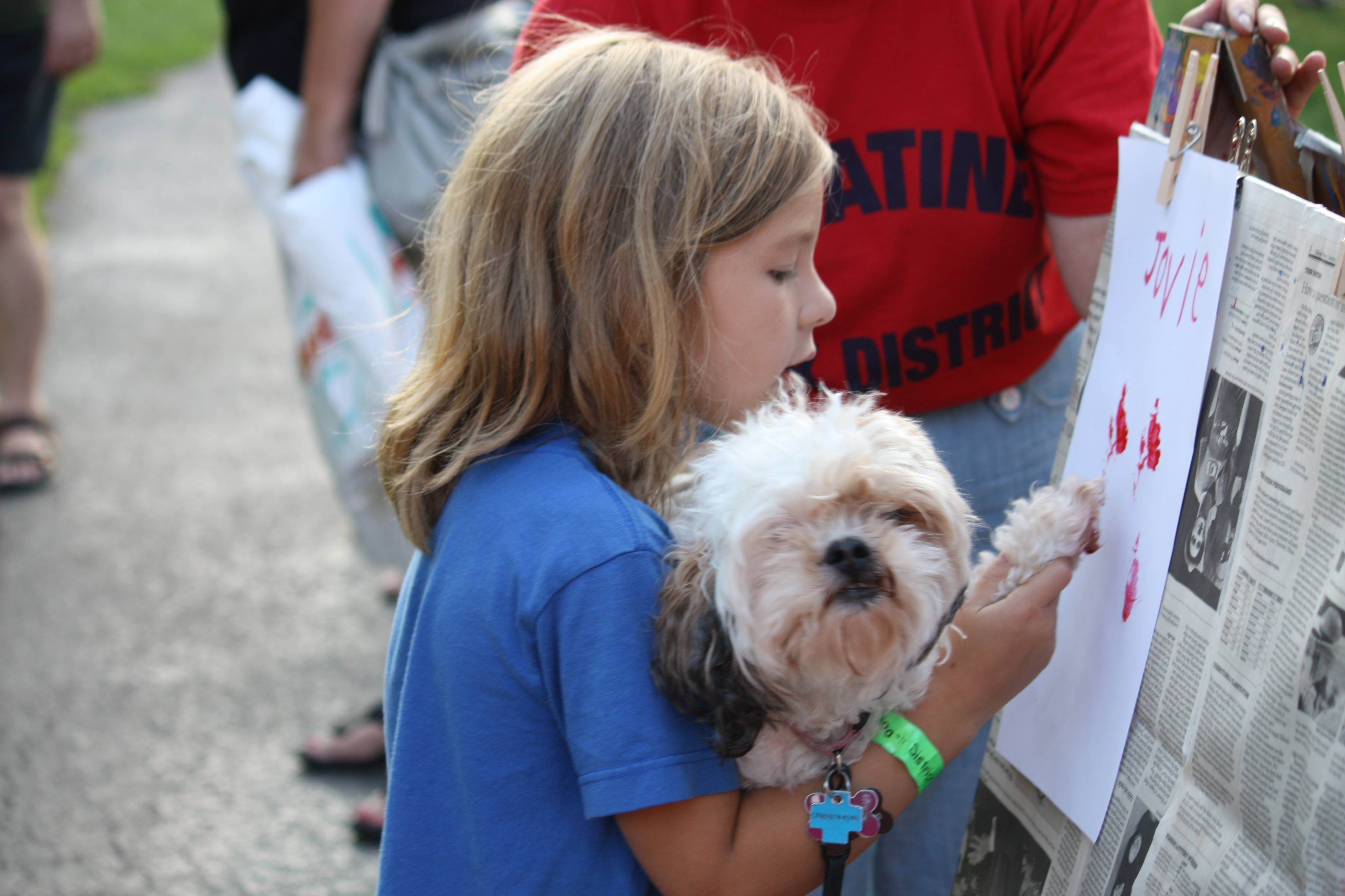 Paw Print Painting at the 2012 Canine Carnival.