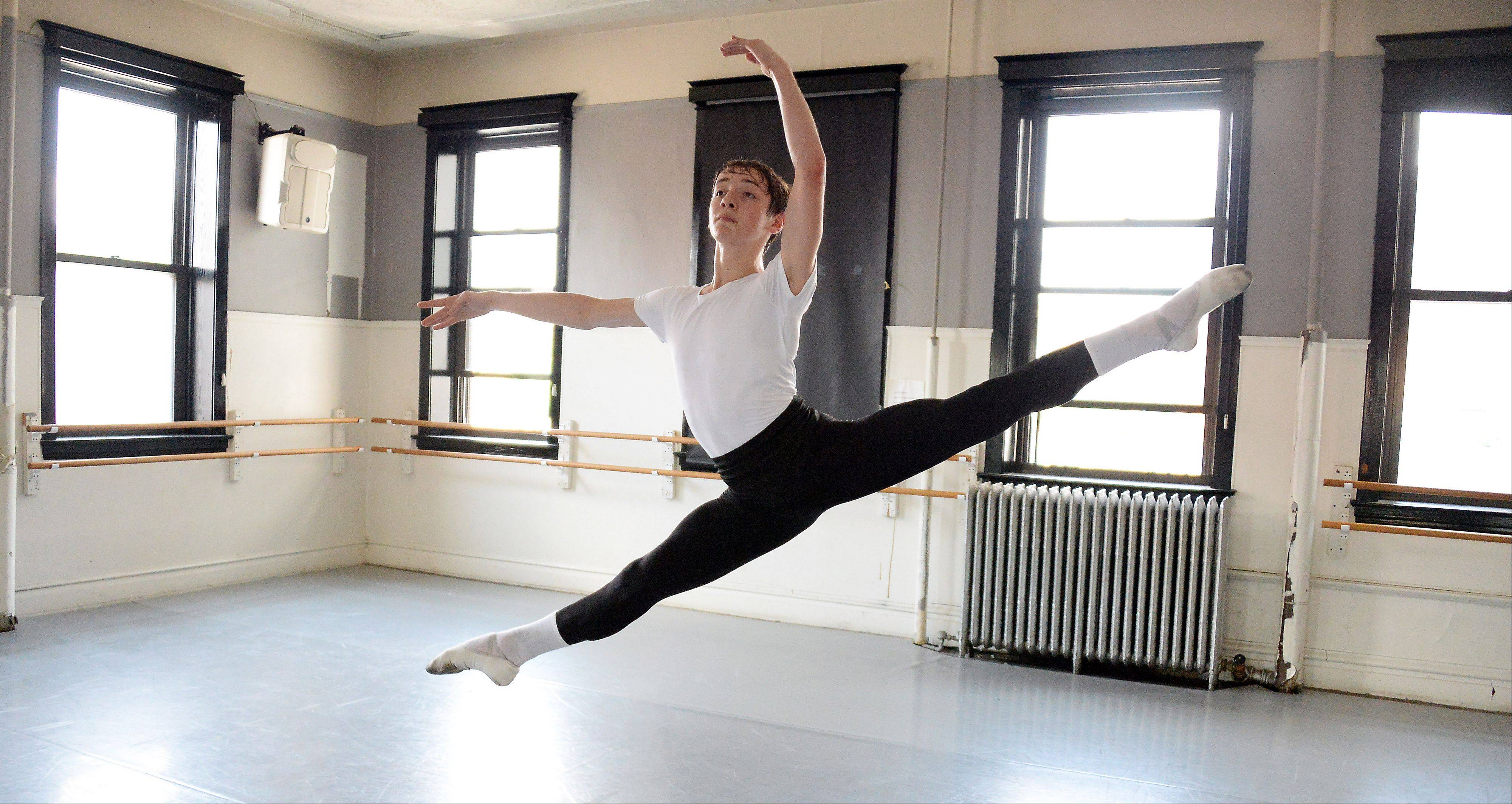 Joey Massarelli of Elk Grove Village began ballet only at 13, but just three years later he is in London studying with the Royal Ballet and is on track for a career with an elite dance company.