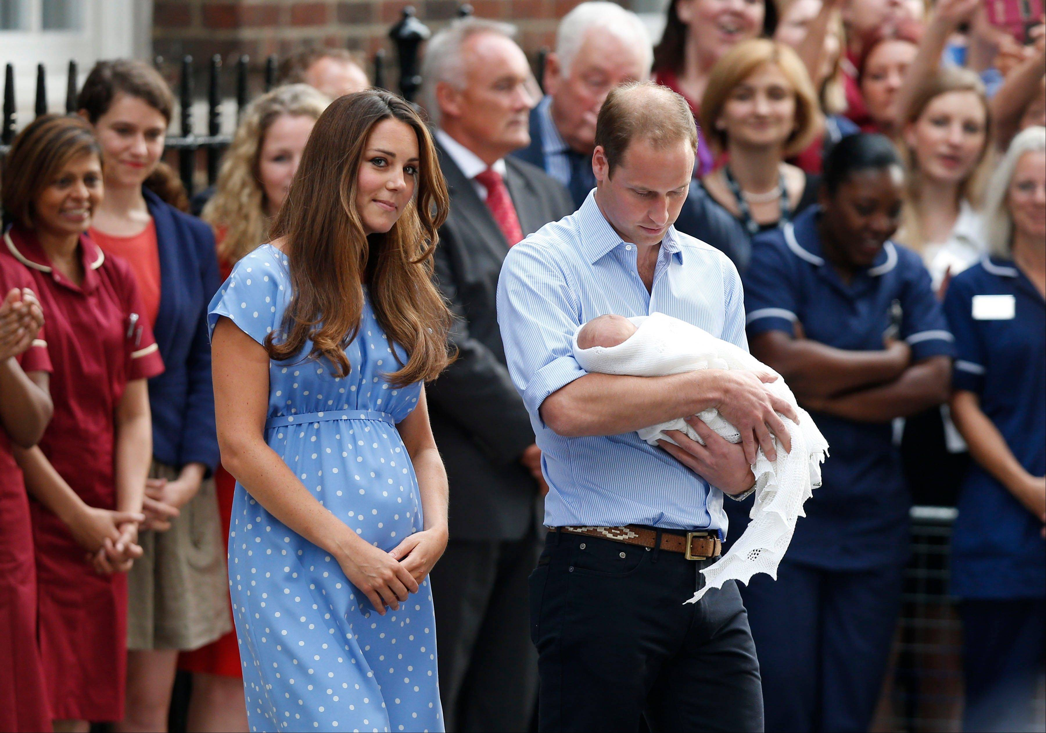 The former Kate Middleton, in her first public appearance after giving birth, wore a dress that did not camouflage her belly, and many women are applauding her choice.