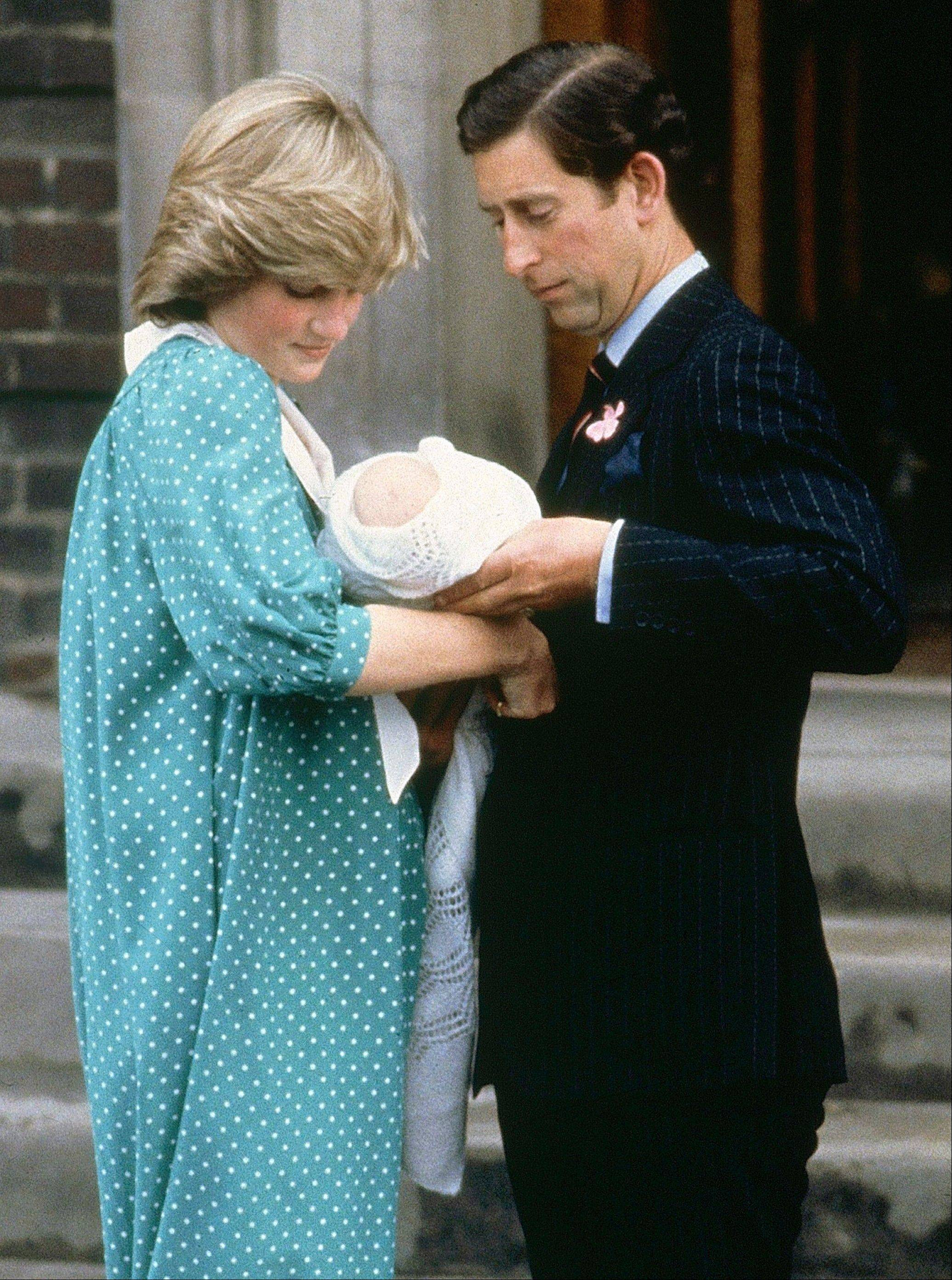 Princess Diana's caftan-like outfit hid the post-childbirth tummy bump that is normal for any new mom after she gave birth to Prince William in 1982.