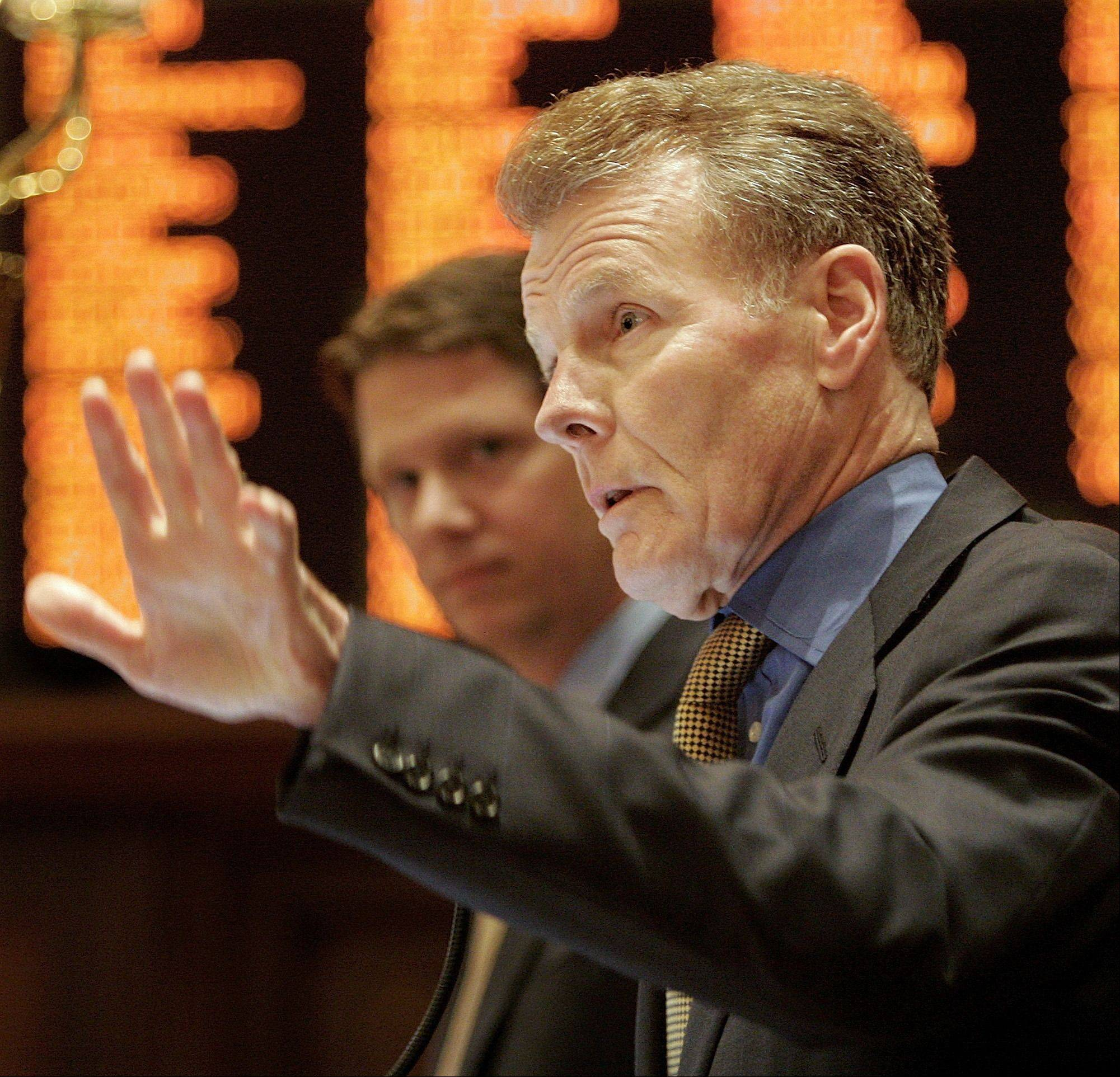 Illinois House Speaker Michael Madigan asked then Metra CEO Alex Clifford to boost Patrick Ward's $57,000 salary, the Chicago Sun-Tikmes reports.