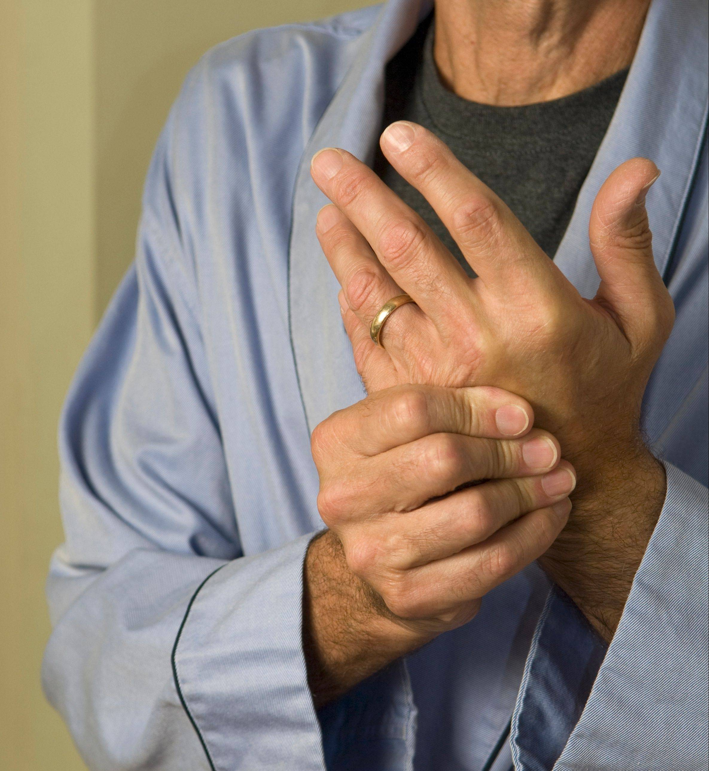 Certain over-the-counter dietary supplements may or may not help arthritis pain.
