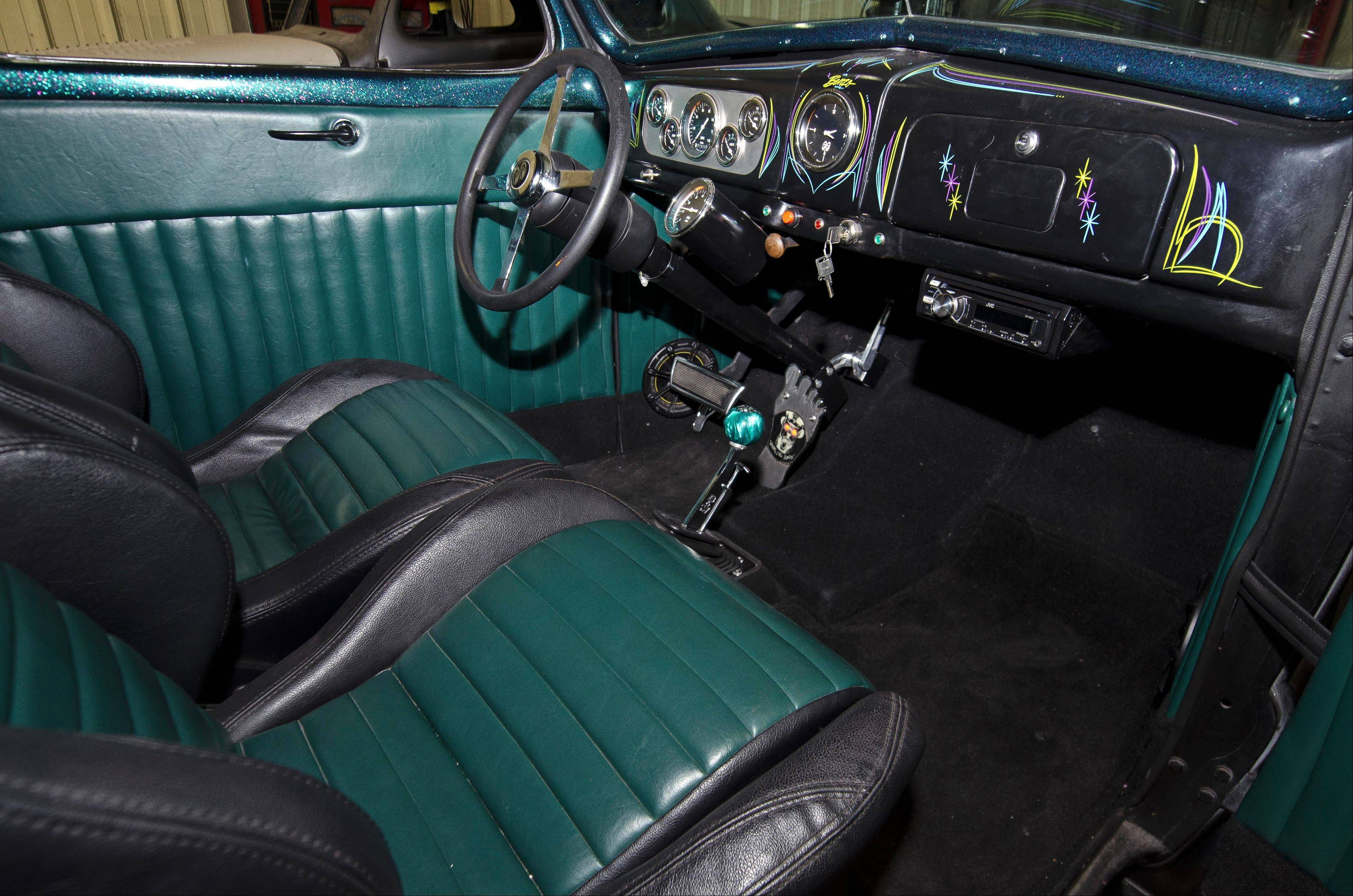 The green shift knob Ritthaler received as a gift became the inspiration for the interior restoration.