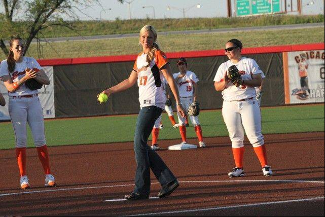 Former Chicago Bandits star and Olympic champ Jennie Finch will return to the Ballpark at Rosemont on Aug. 16 to sign autographs and cheer on her former team before the Bandits take on the USSSA Pride.