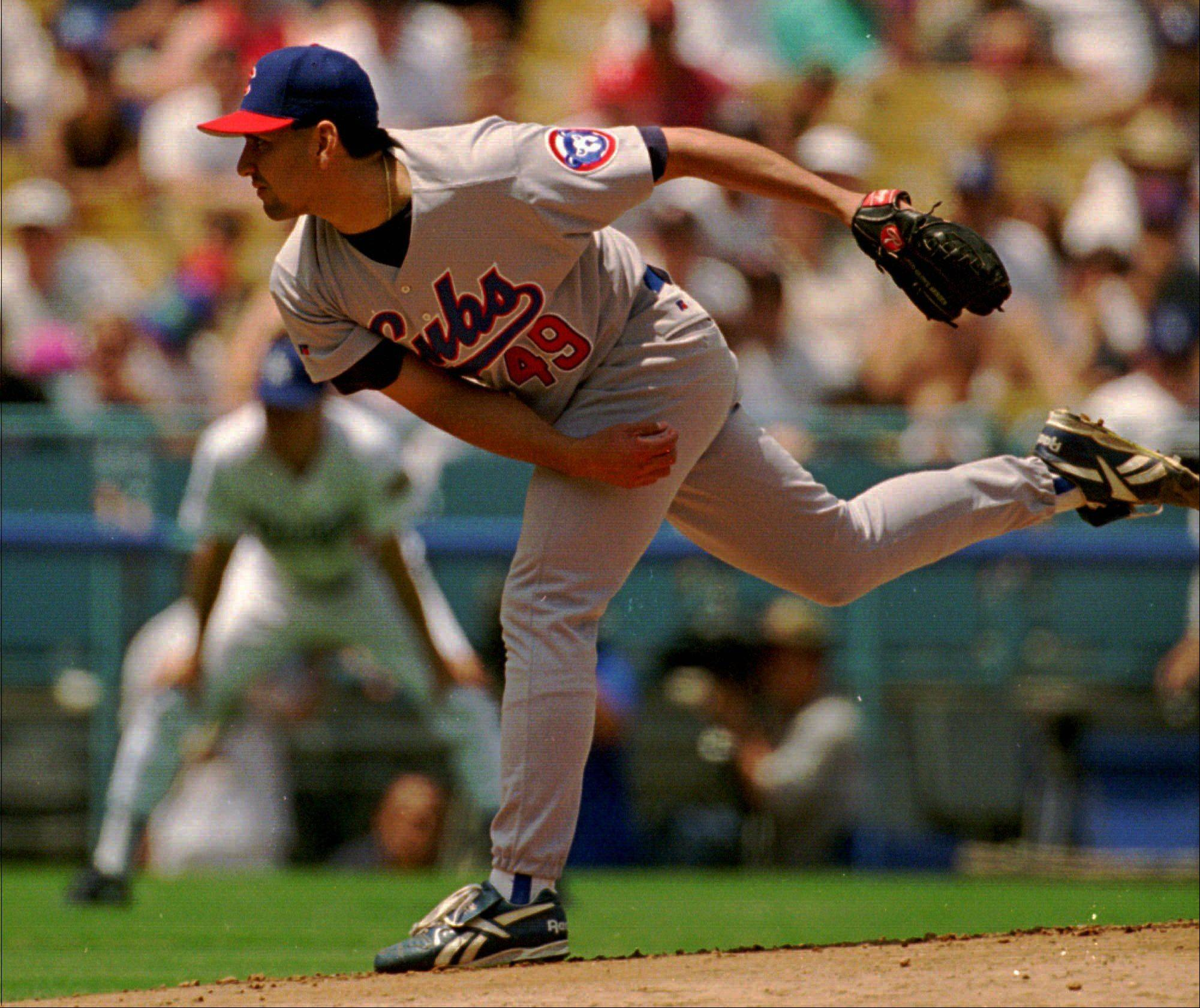 Frank Castillo, who pitched for the Cubs from 1991-97, drowned Sunday near his home in Arizona. Castillo was 44.