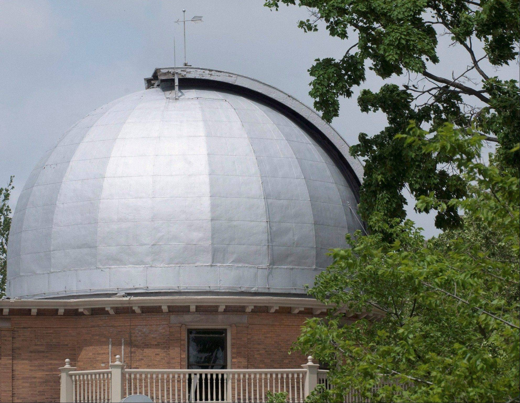 Restoration work on the telescope in the University of Illinois observatory has been completed.