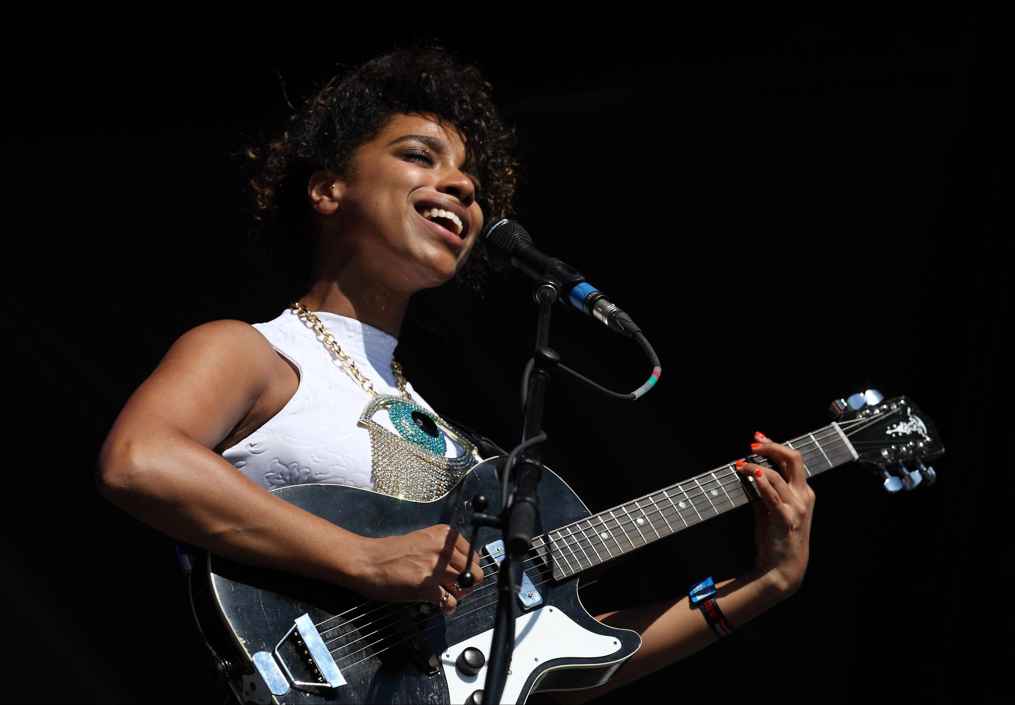 Lianne La Havas performs on day 3 of Lollapalooza 2013 at Grant Park on Sunday, Aug. 4, 2013 in Chicago.