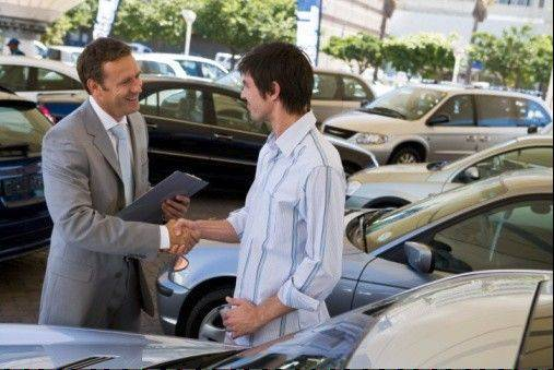 The auto industry says people under 34 are gradually starting to buy cars again as their economic circumstances improve.