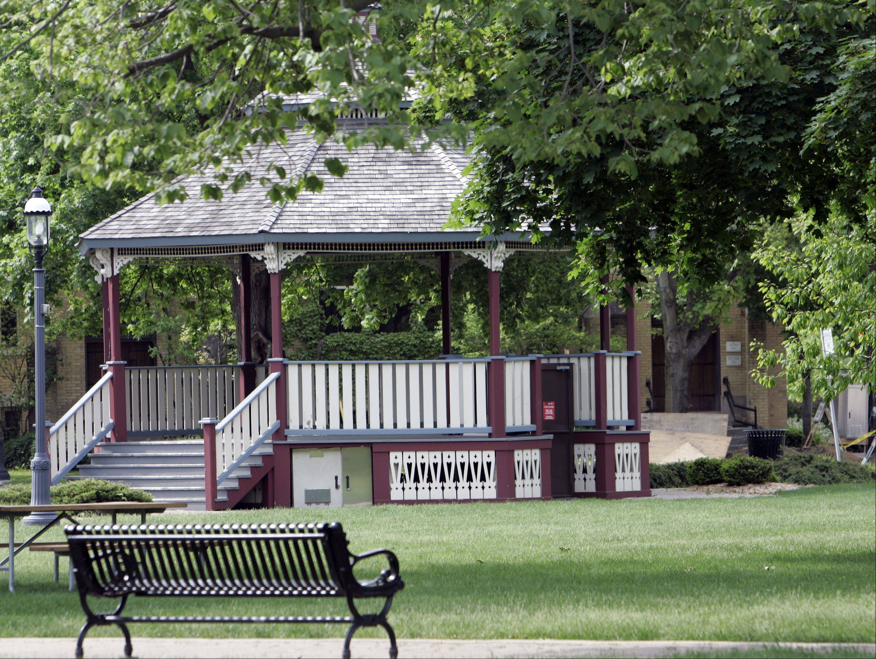 Grafelman Park and other West Dundee spots serve as a backdrop in an upcoming web-based public service announcement.