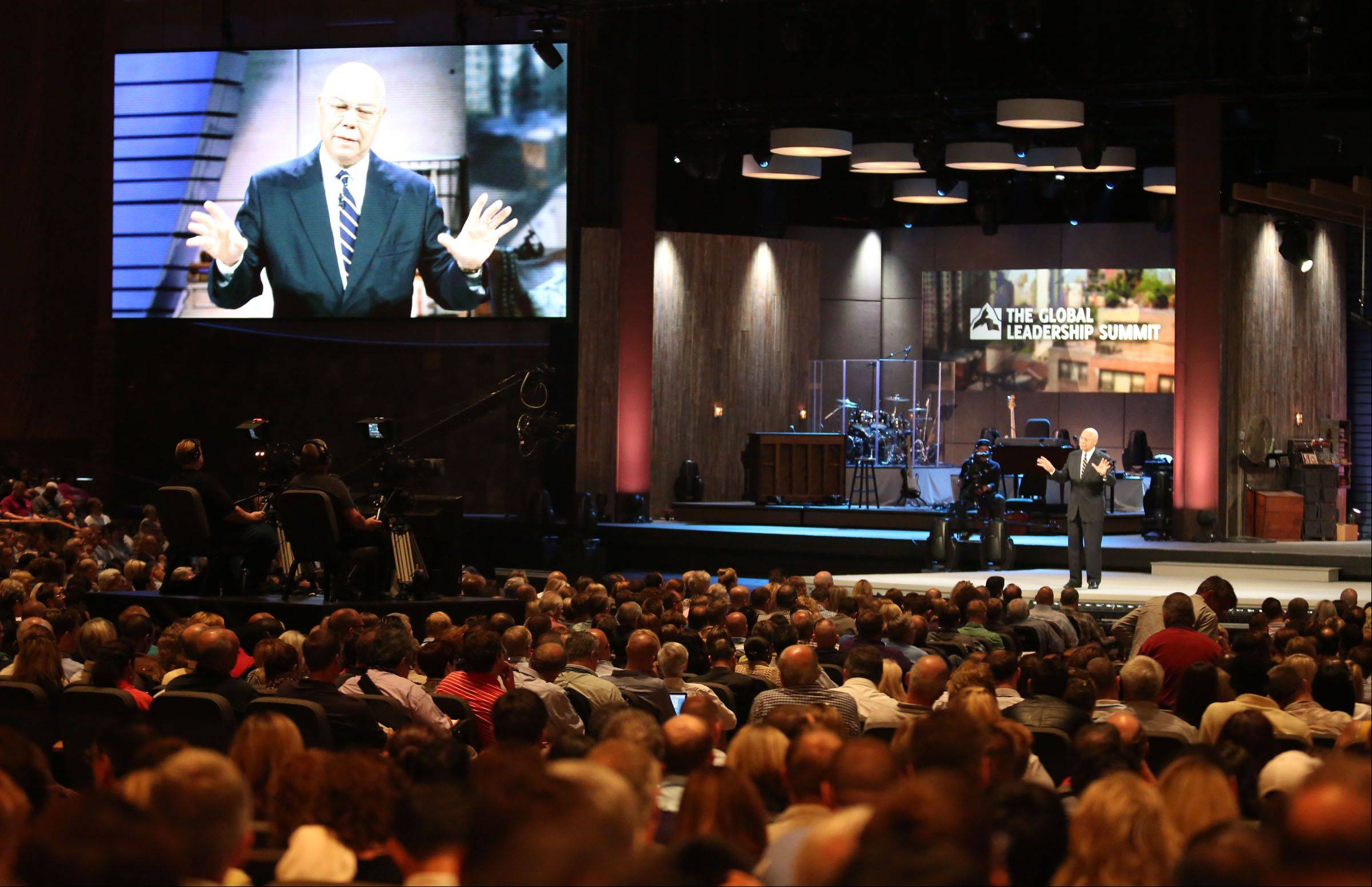 Thousands hear Gen. Colin Powell in person Thursday at Willow Creek Community Church.