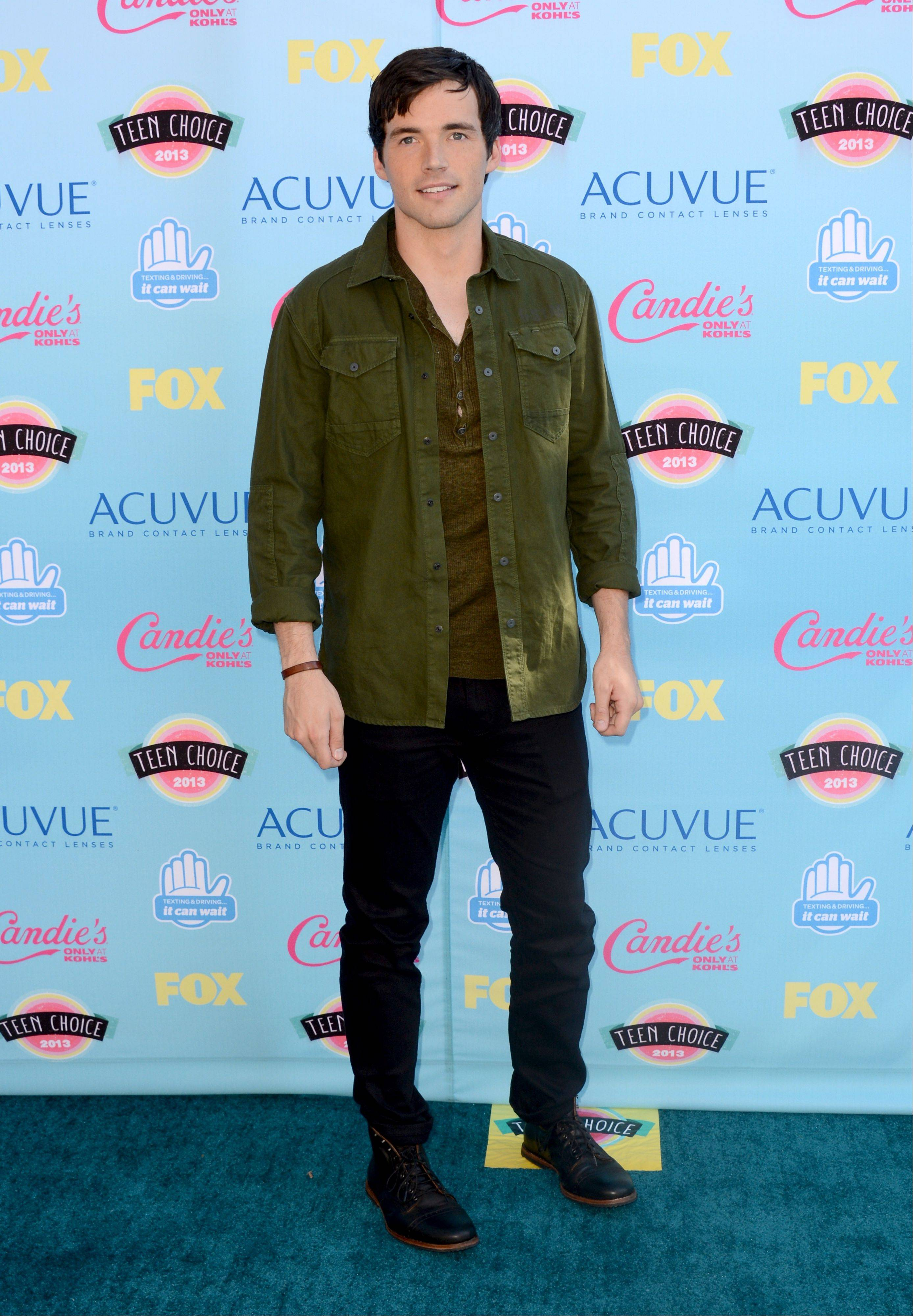 """Pretty Little Liars"" star Ian Harding arrives at the Teen Choice Awards at the Gibson Amphitheater on Sunday."