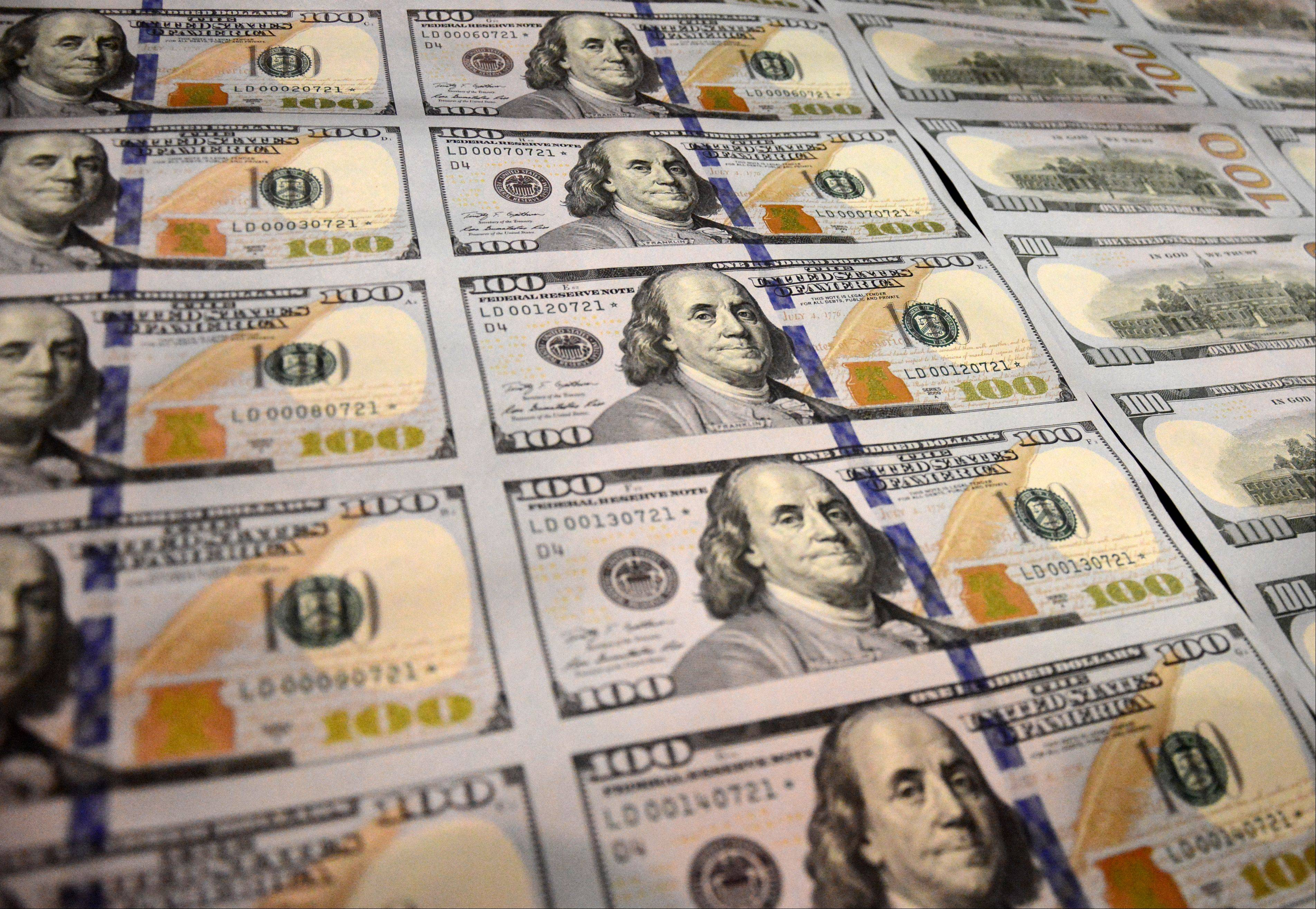 The new $100 bill will have its first public showing during the Chicago World�s Fair of Money August 13-17 at the Donald E. Stephens Convention Center in Rosemont.