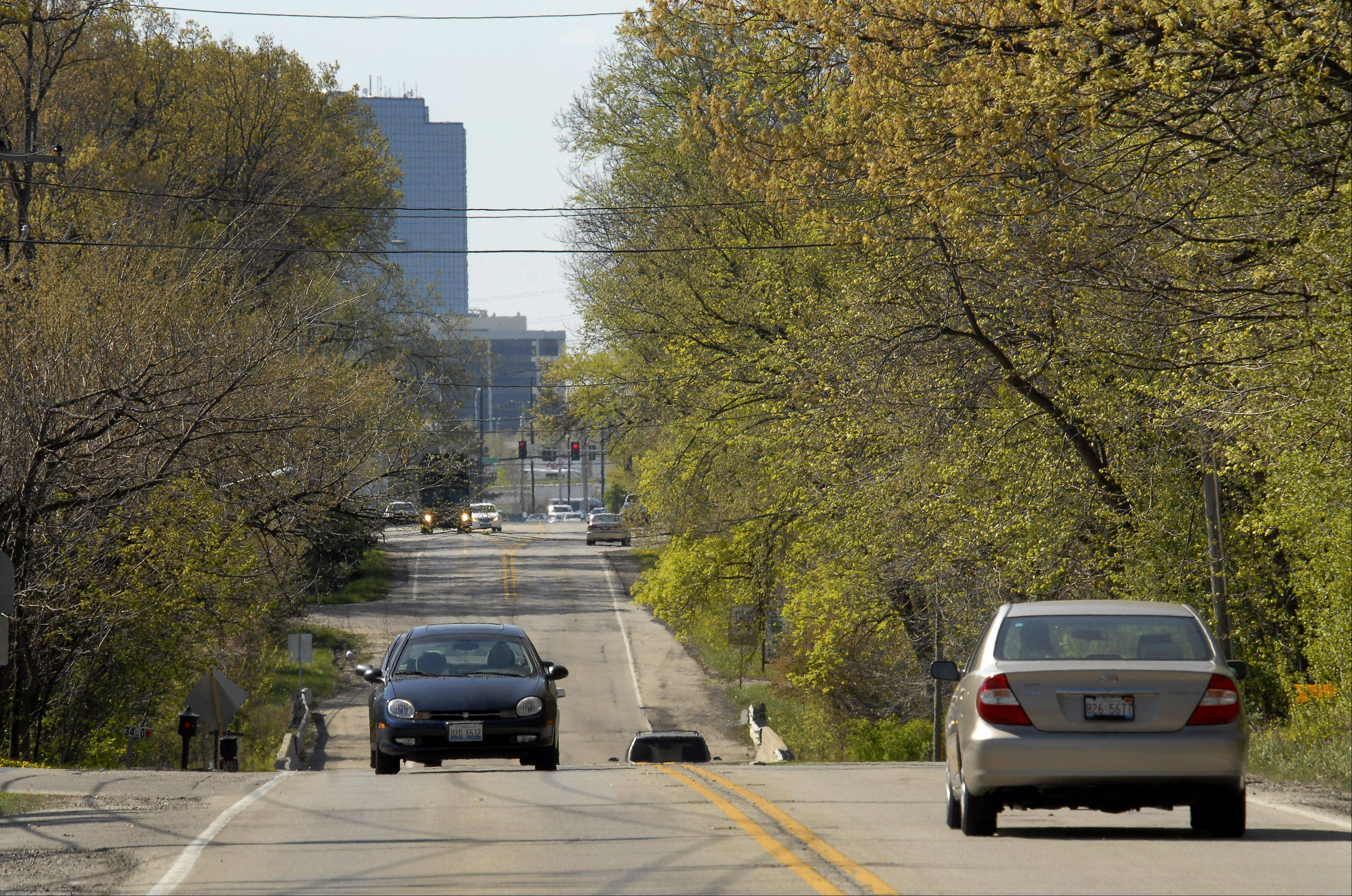 Rolling Meadows council backs Meacham Road bike path