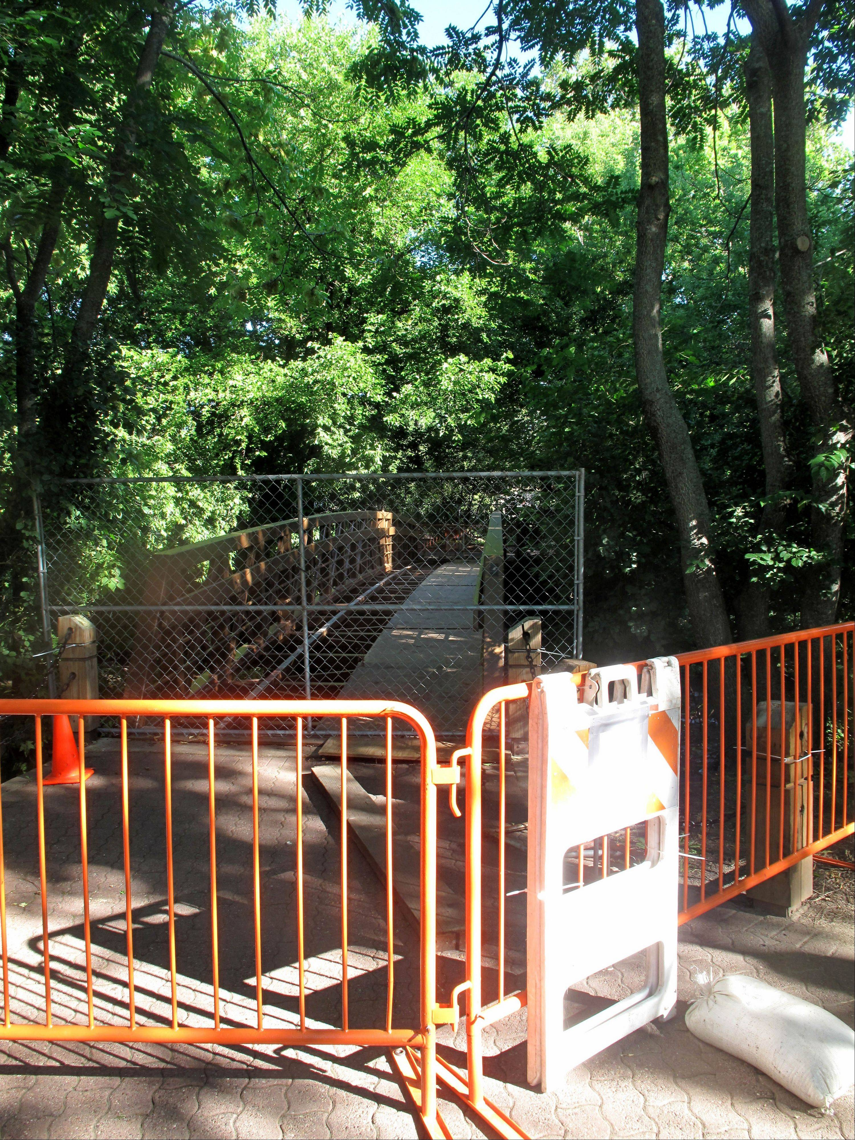 The bridge on the Naperville Riverwalk between the Millennium Carillon Visitors Center and Centennial Beach is closed for maintenance, but park district crews aim to have a temporary fix in place by the beginning of the Jaycees' Last Fling on Friday, Aug. 30.