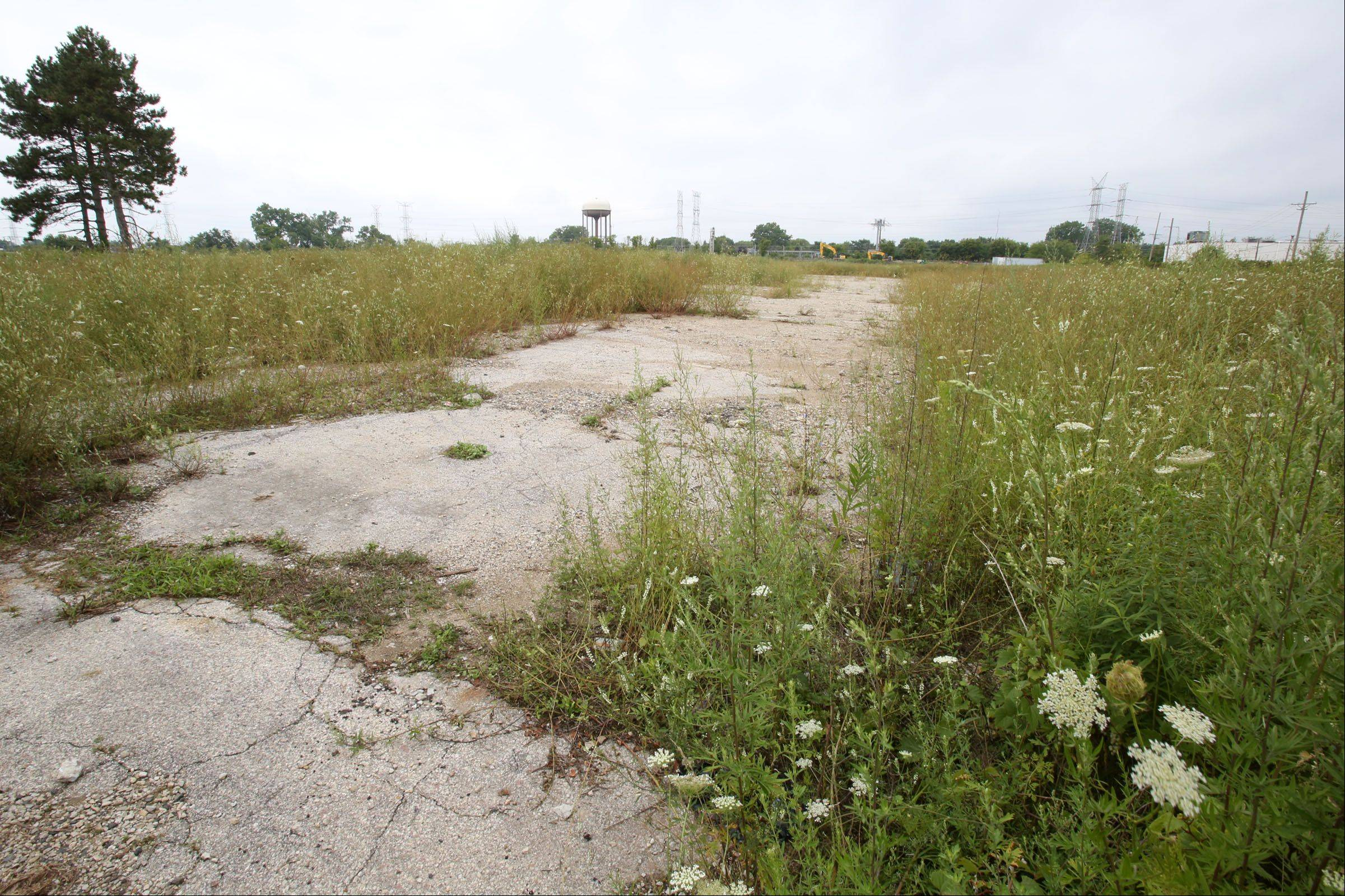 A look at the 20 acres in Wheeling that will house the 288-unit apartment complex.