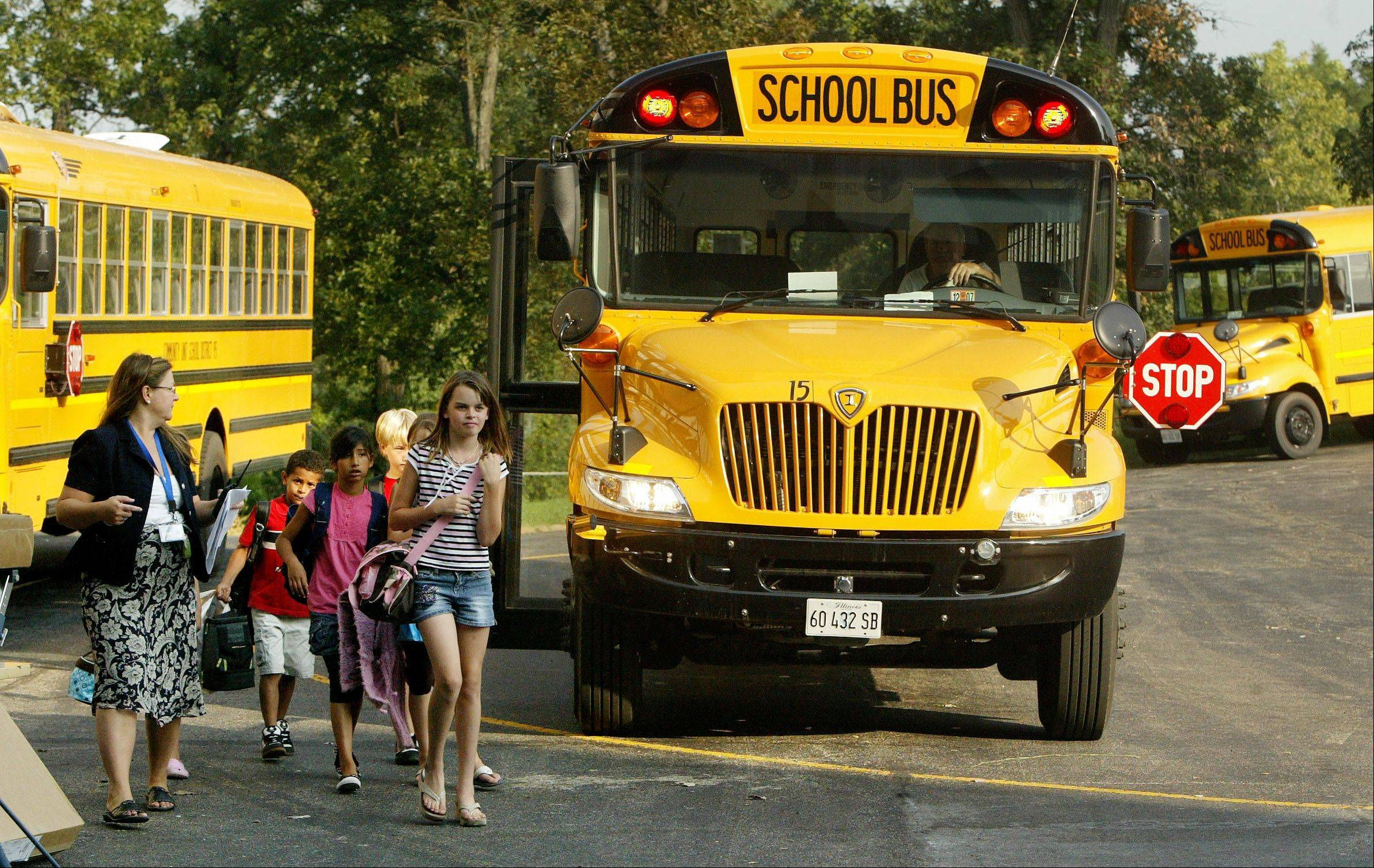 Survey shows drivers ignore stopped school buses