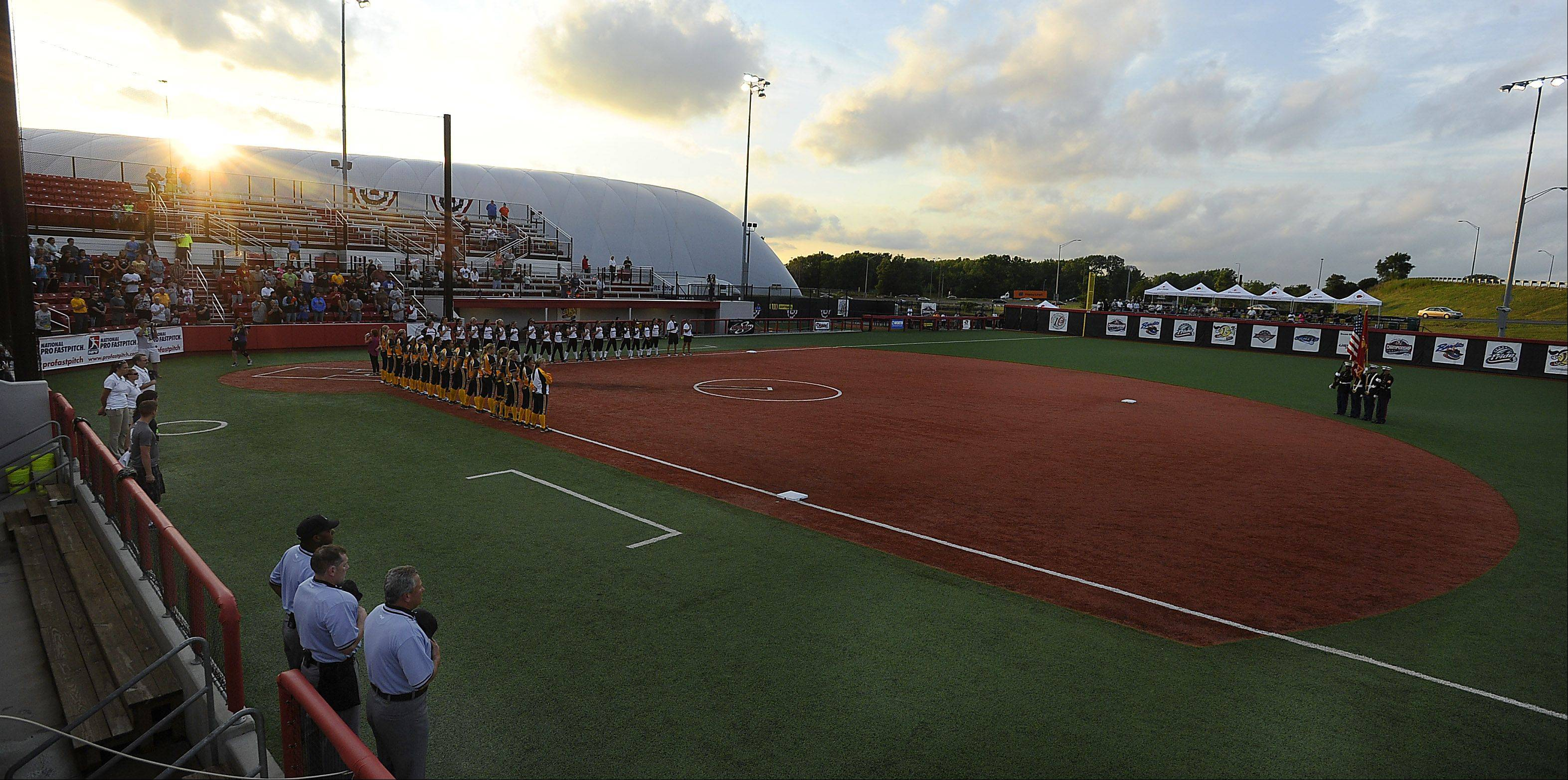The Akron Racers and the New York/New Jersey Comets opened the championship series on Thursday at the National Pro Fastpitch 2013 Championships in Rosemont. The Chicago Bandits will begin play at 5:30 p.m. today.
