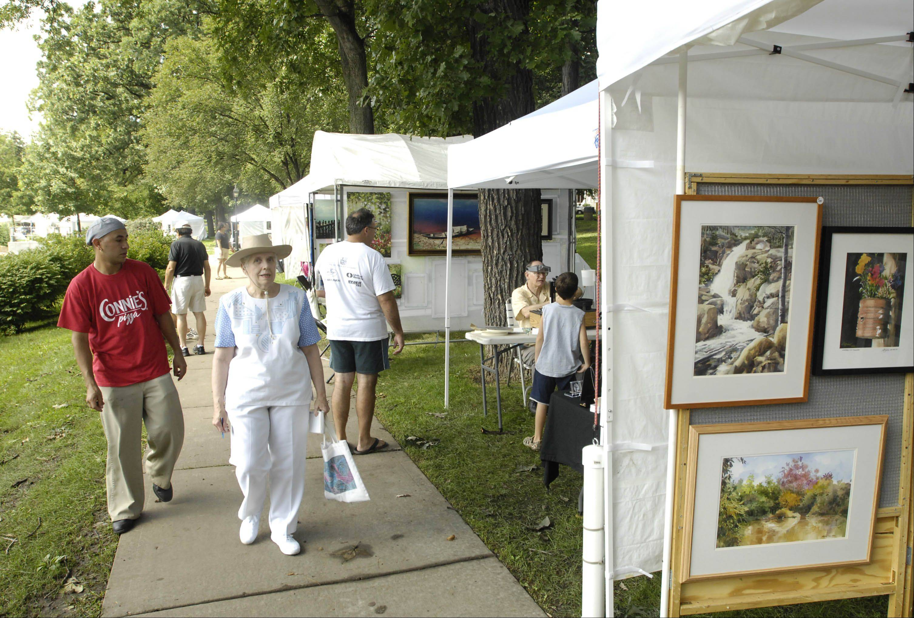 The Glen Ellyn Festival of the Arts will feature artwork from more than 70 juried artists Saturday and Sunday at Lake Ellyn Park.