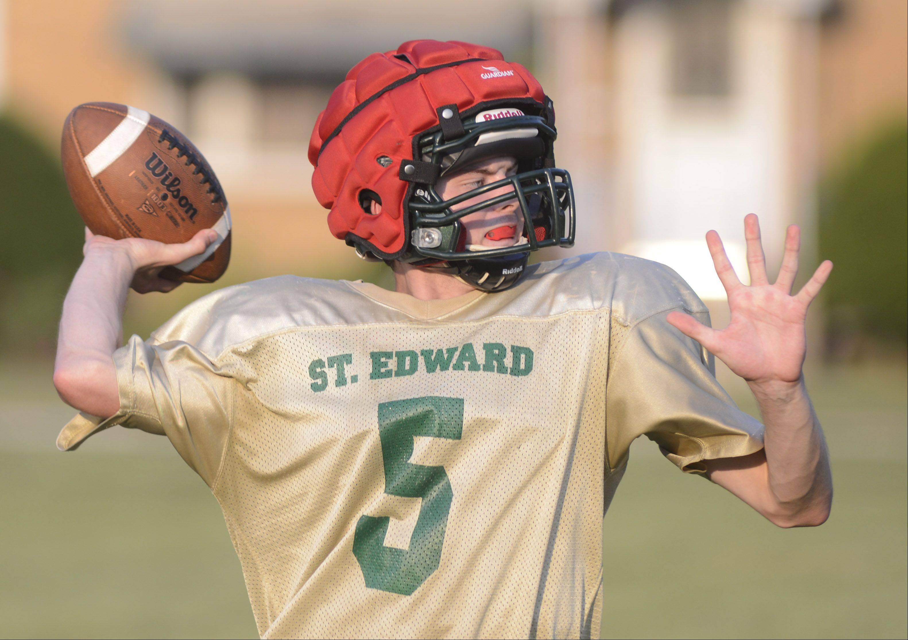 St. Edward quarterback Bryan O�Neill throws a passes during practice.